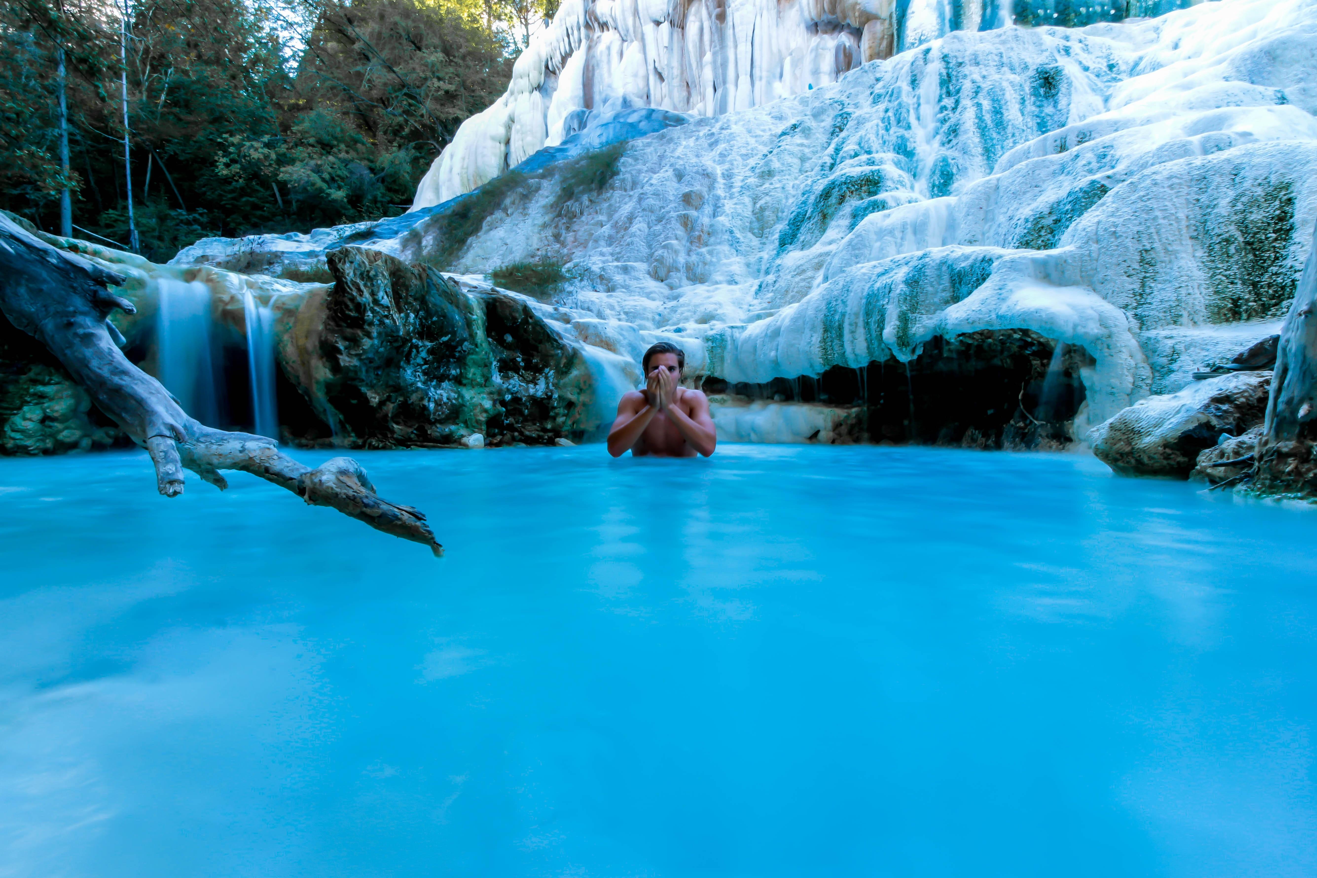 kostenlose foto mann wasser natur wasserfall schwimmbad eis entspannen sie sich italien. Black Bedroom Furniture Sets. Home Design Ideas