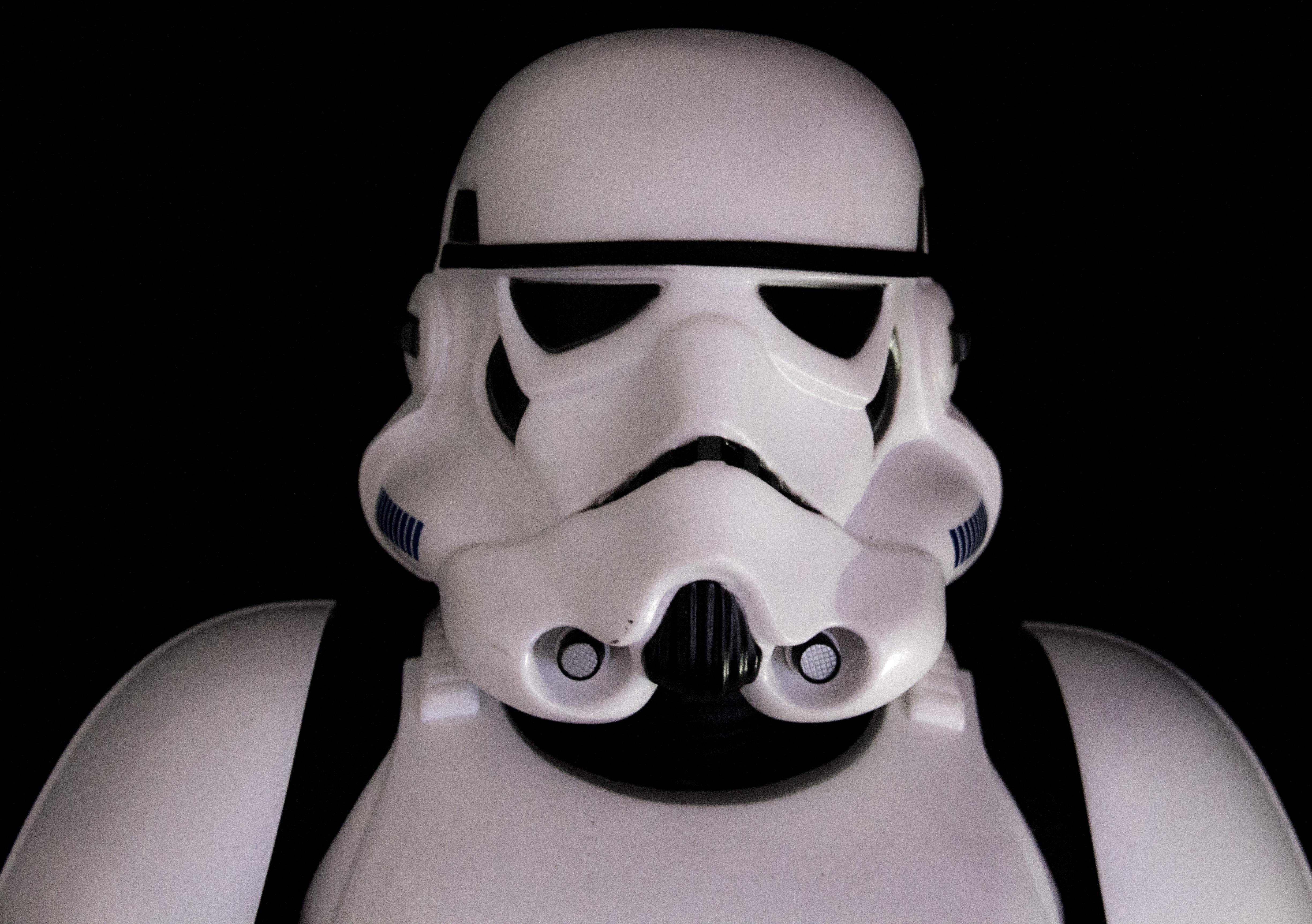 Gambar Manusia Putih Tentara Kegelapan Pakaian Hitam Satu