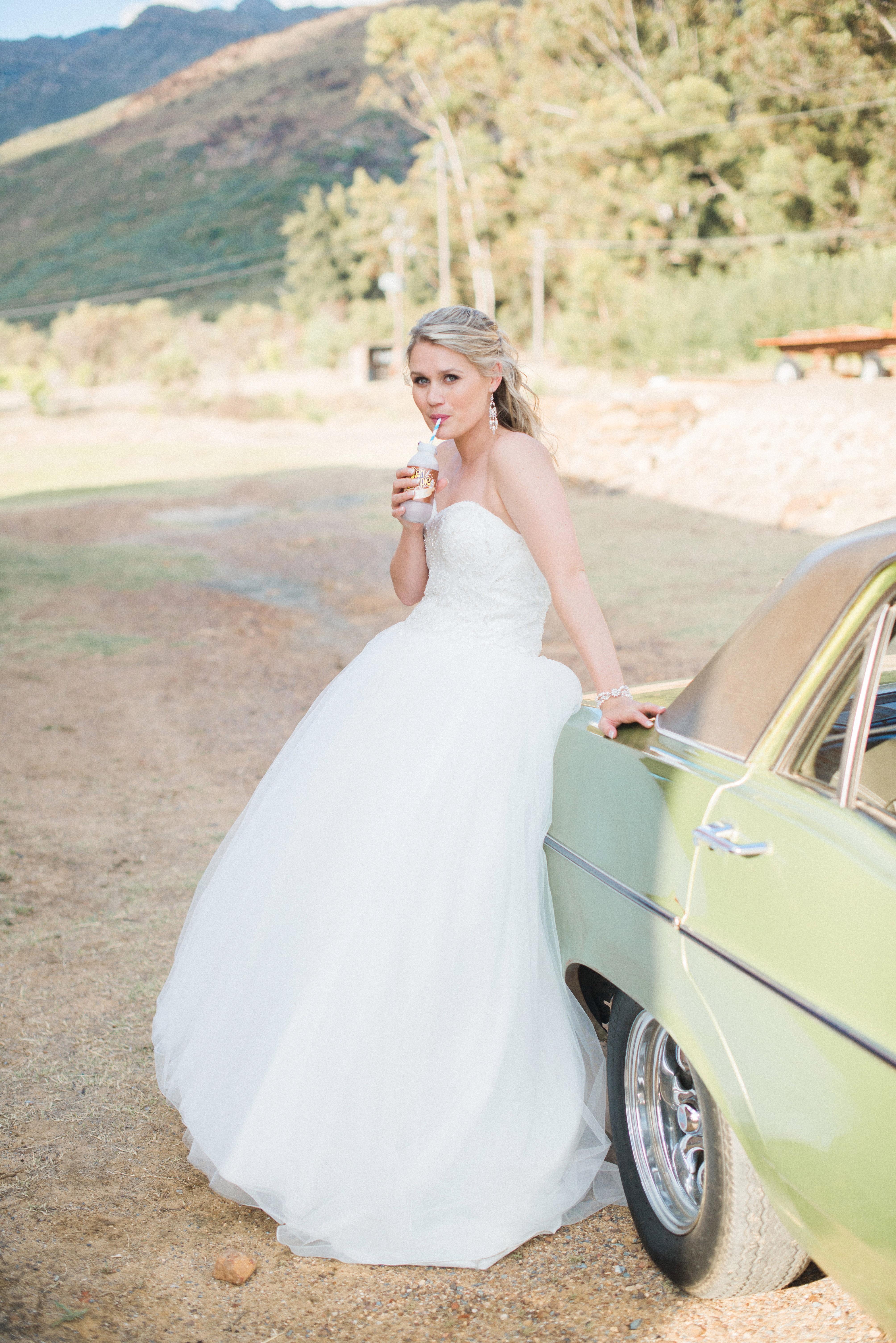 Großzügig Brautkleider Für Die Braut Und Bräutigam Fotos ...
