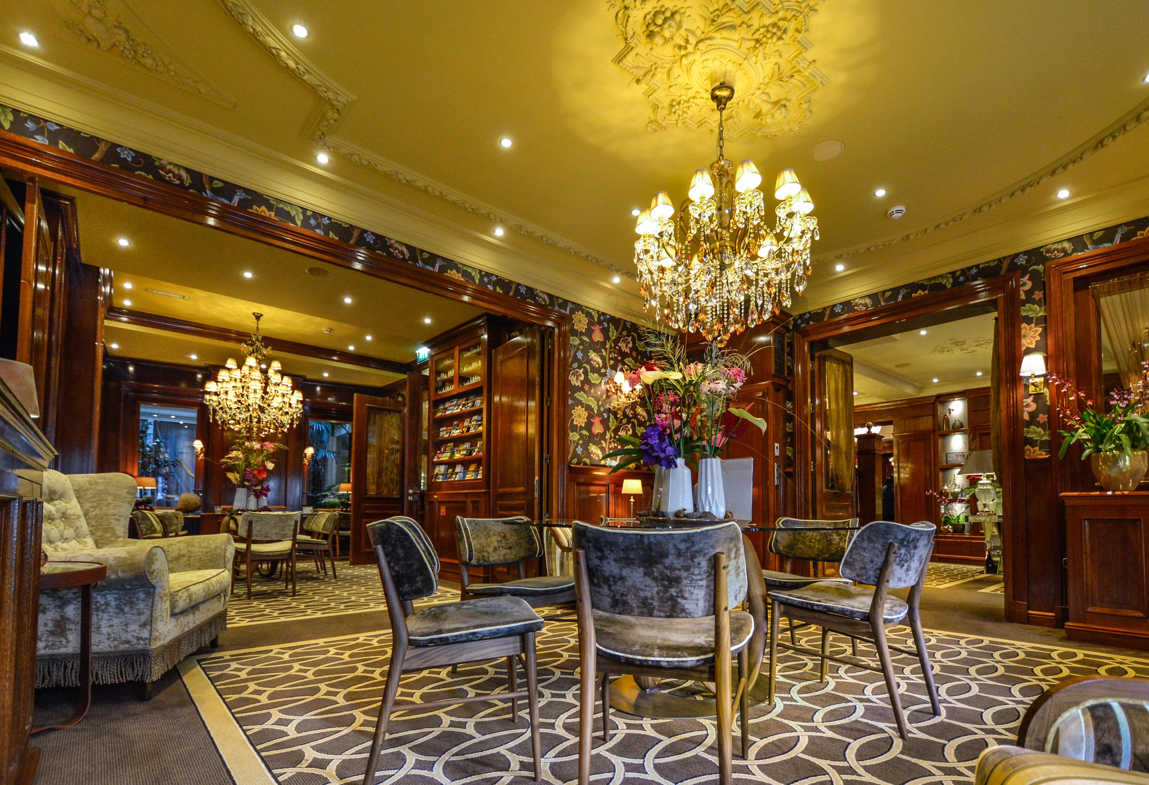 Hotel Istana Gambar Rumah Besar Restoran Istana Perjalanan Eropah Makan
