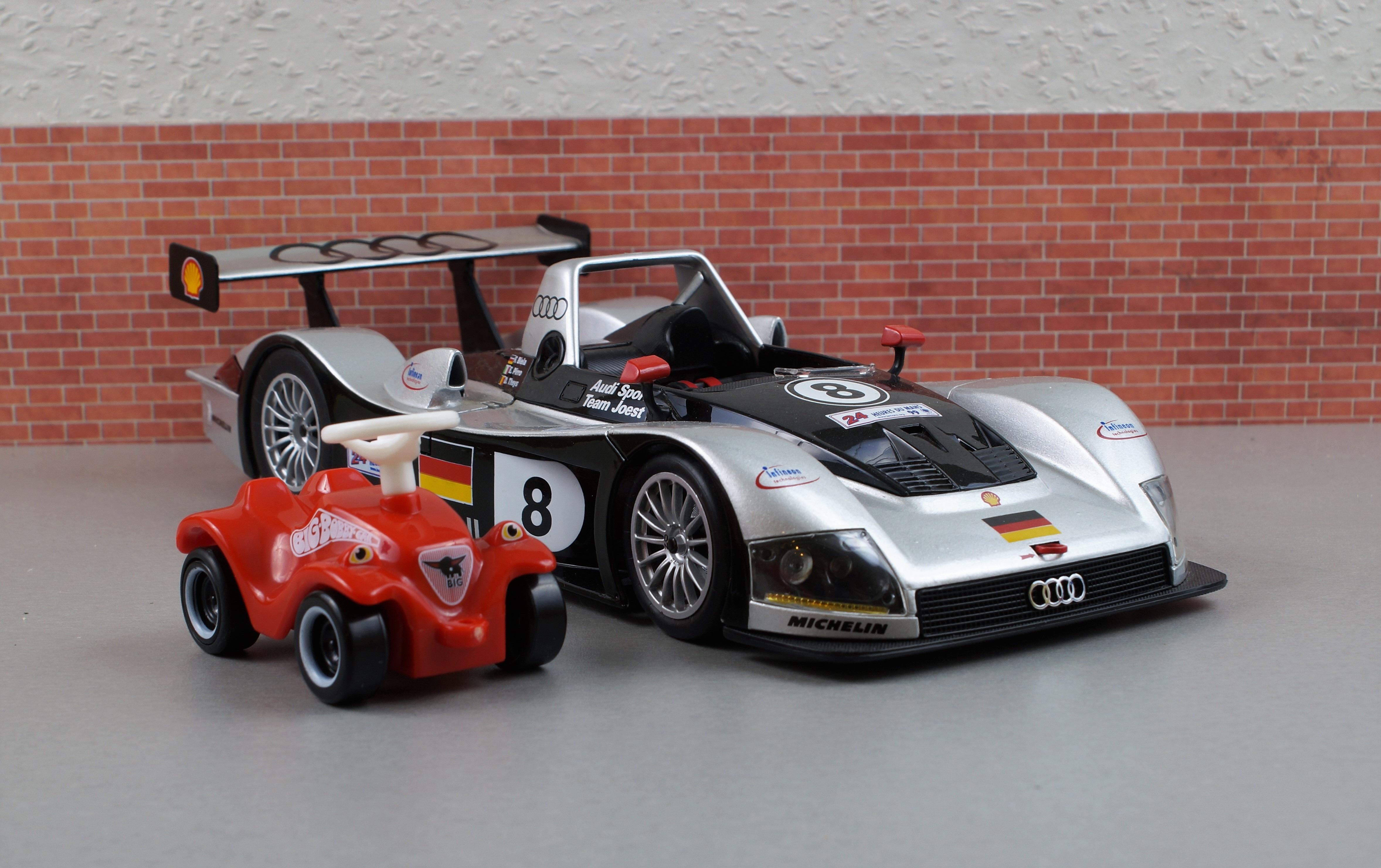 mesmerizing audi toy car models aratorn sport cars. Black Bedroom Furniture Sets. Home Design Ideas