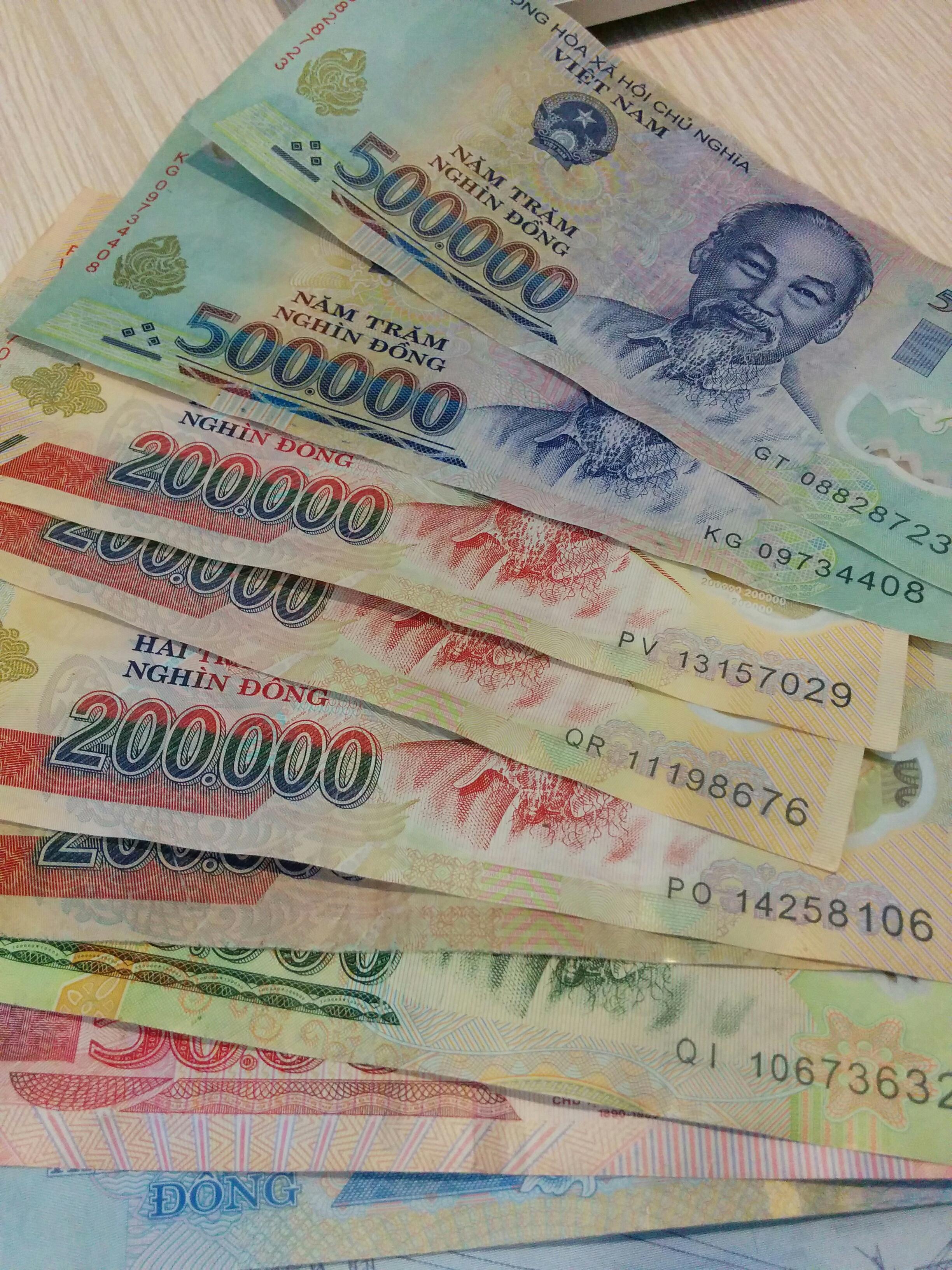 FREE IMAGES CURRENCY BILLS CASH BANKNOTE MONEY HANDLING PAPER