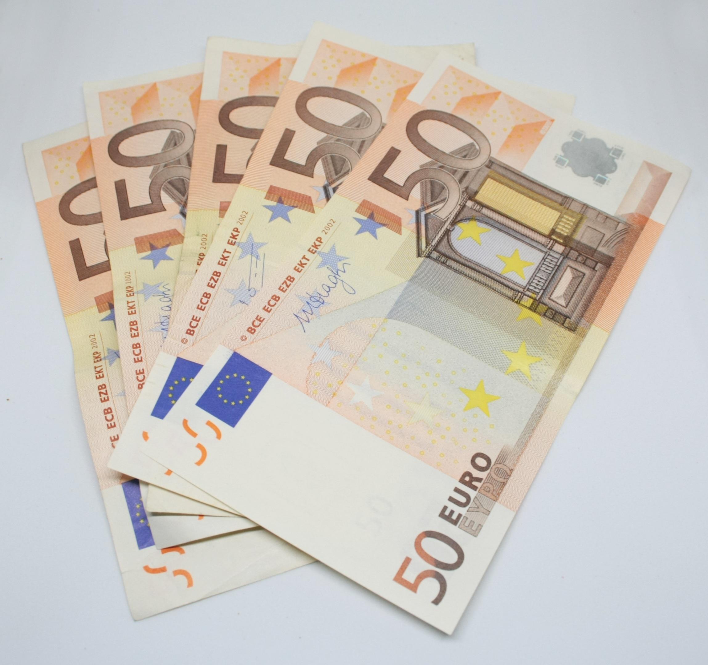 Italian money bills