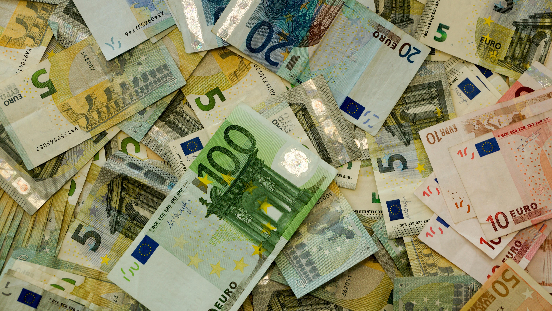 Евро  № 2275955 загрузить