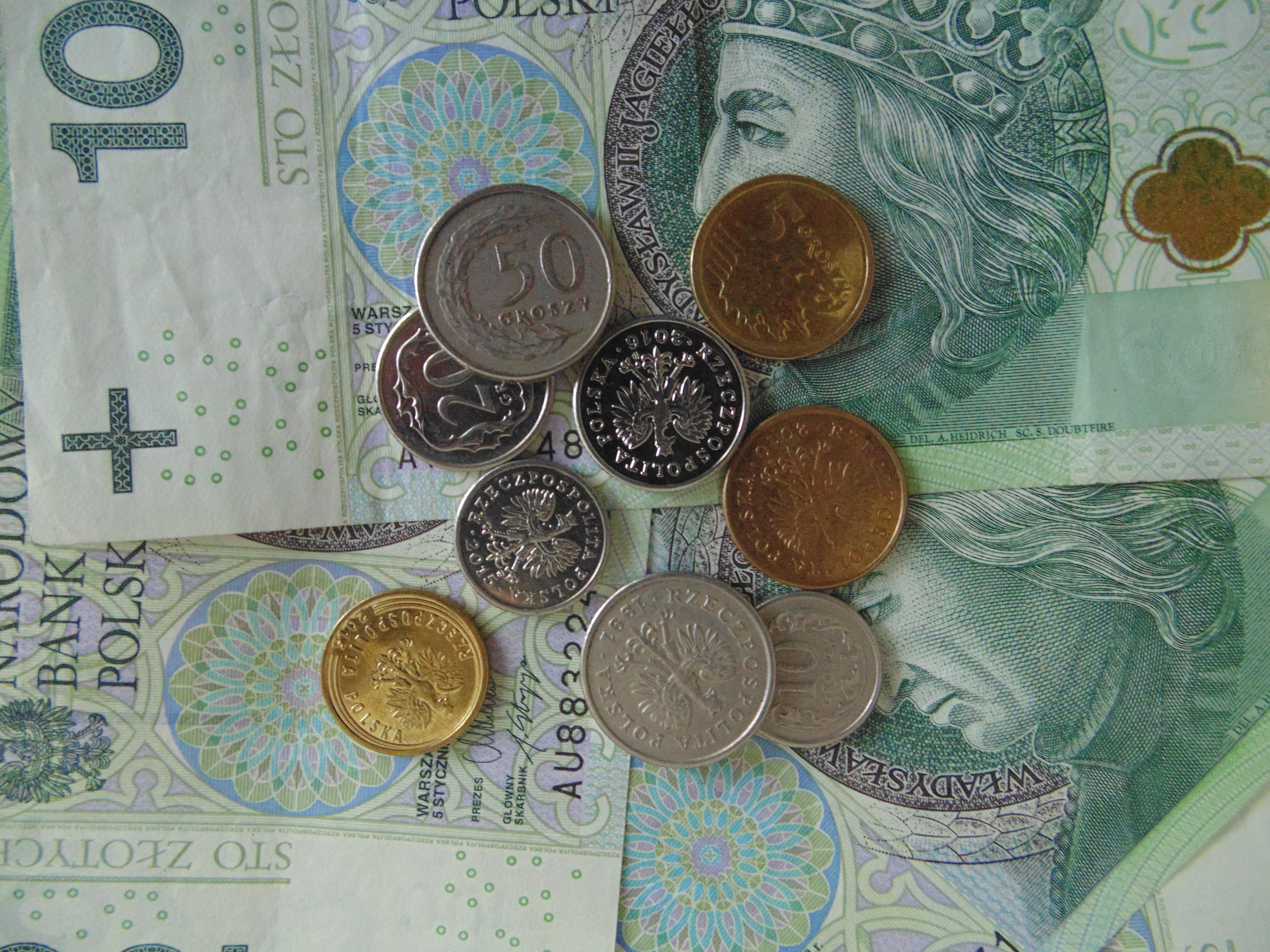 элементами картинки с денежными купюрами и монетами чем углубляться тему