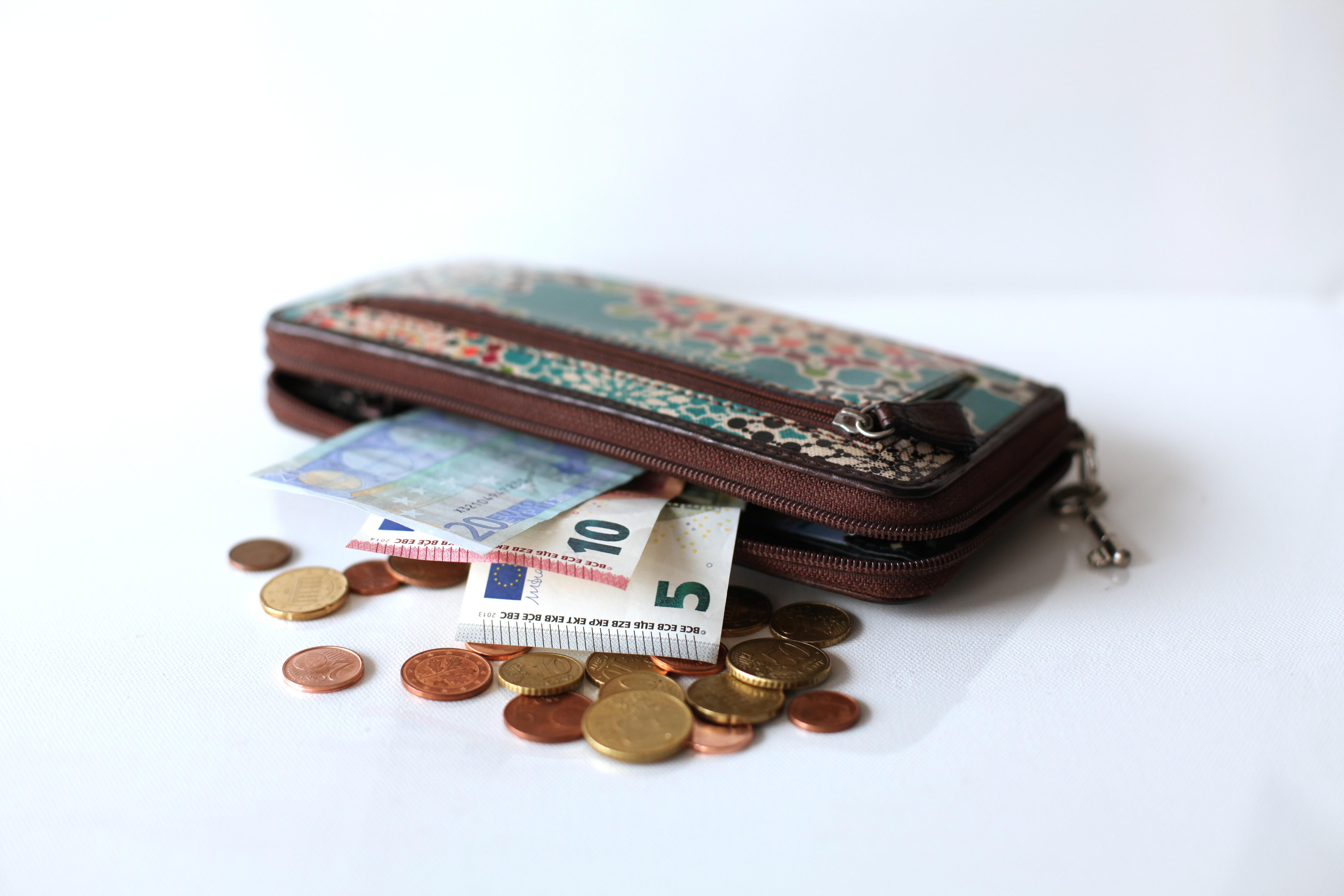 Käteinen raha sukupuoli suihin