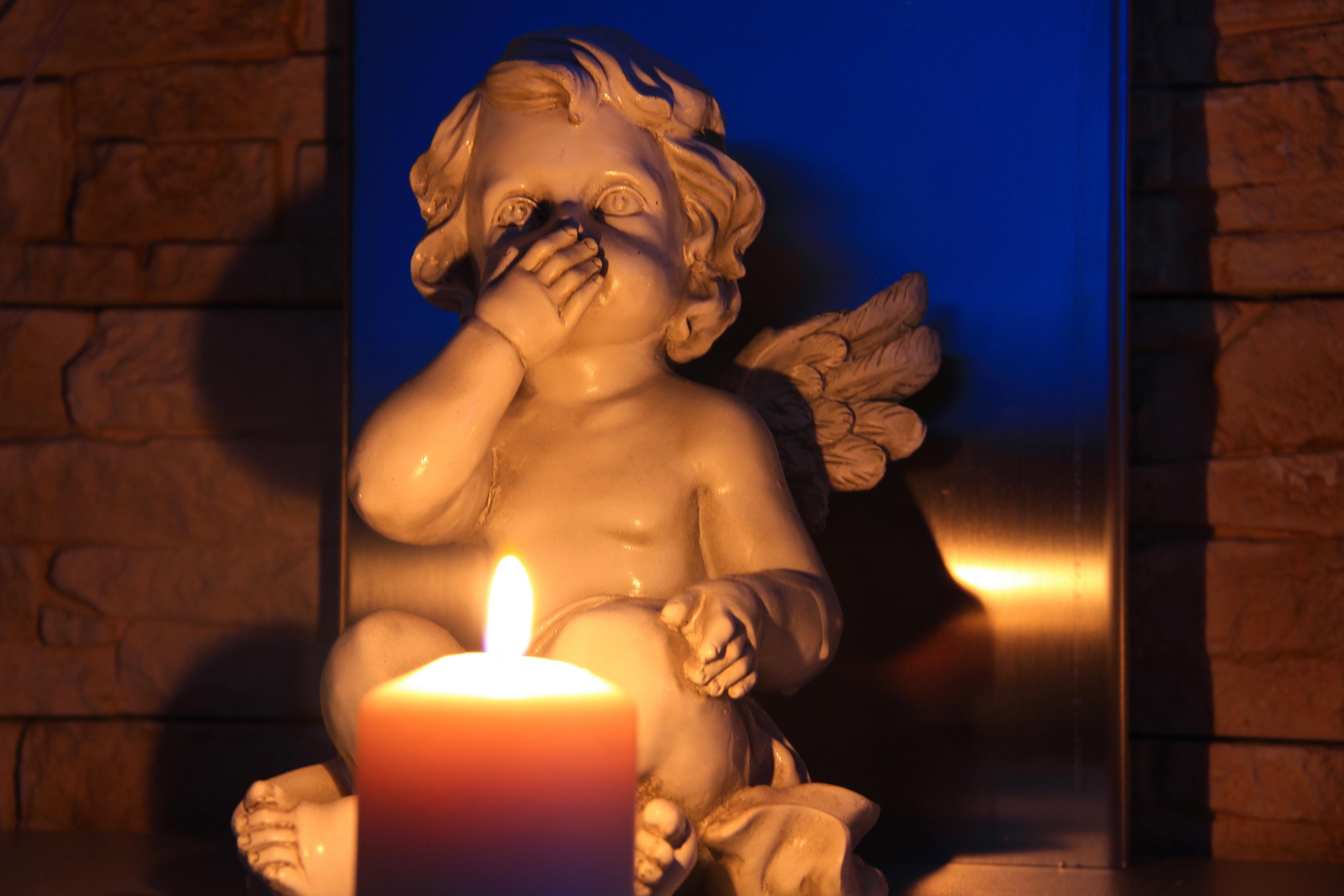 свечи с ангелами картинки сопровождают фотографии