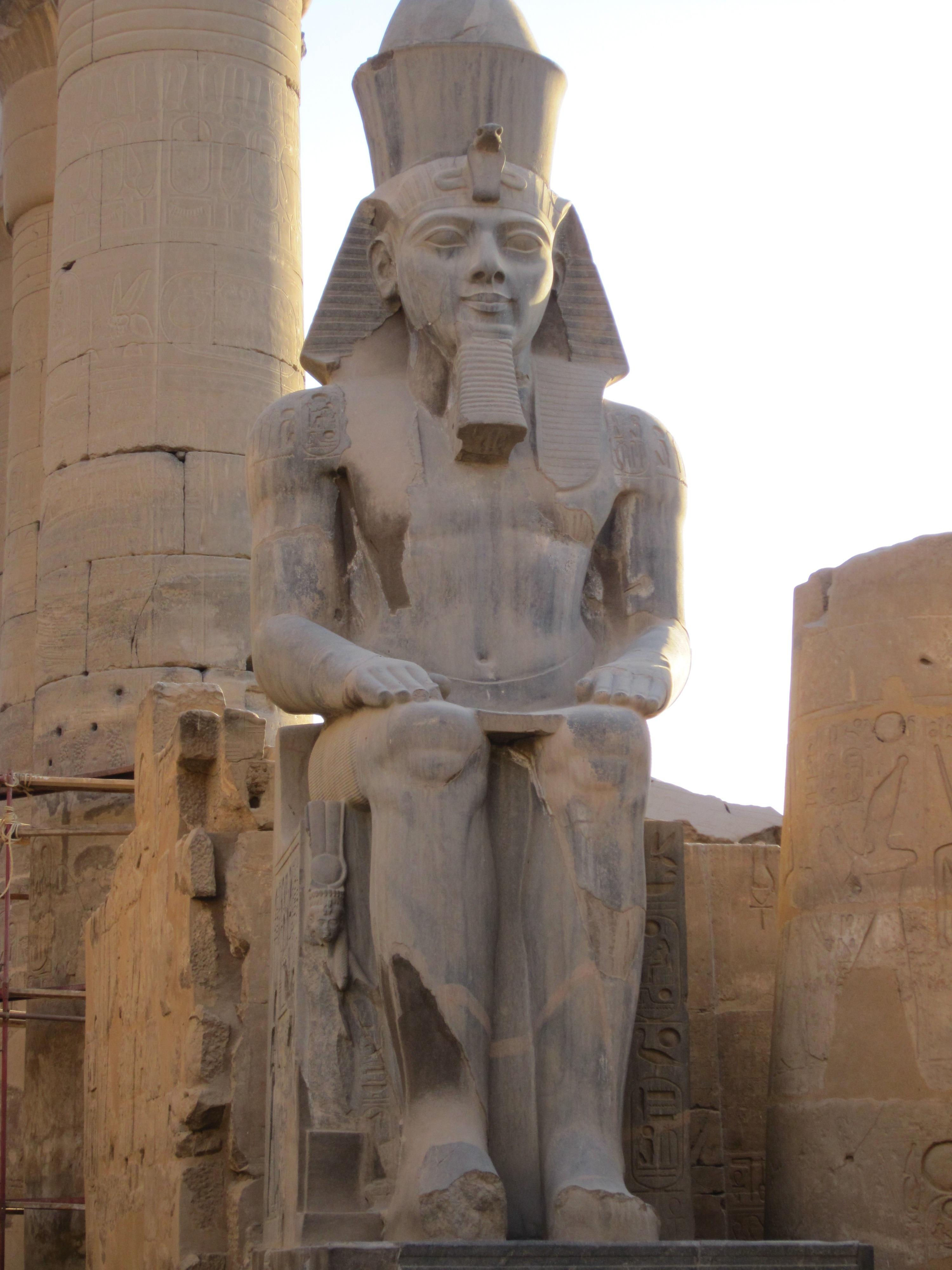 картинки египет статуи готового
