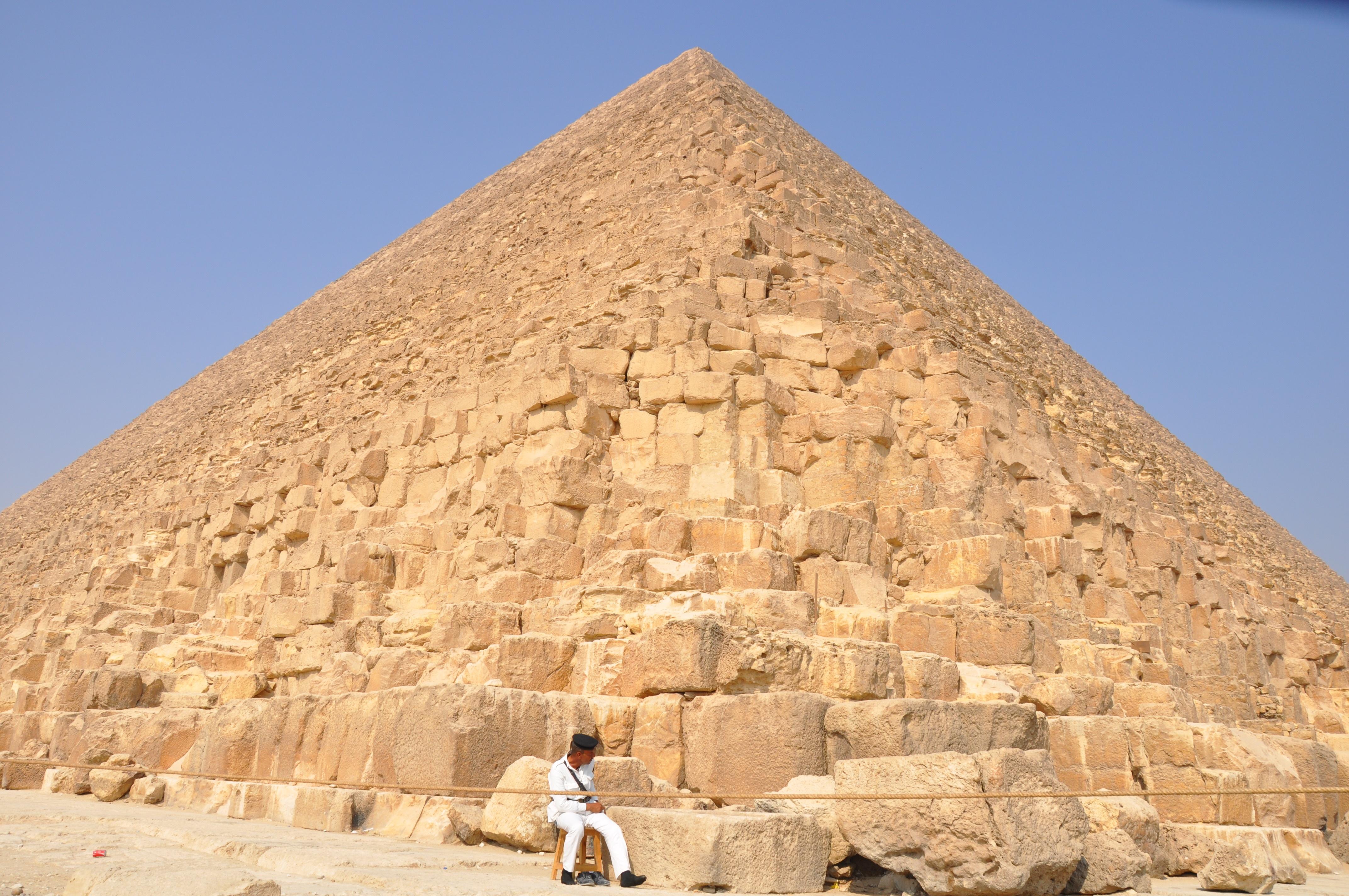 Gambar Monumen Perjalanan Piramida Tengara Mesir Candi Tanah