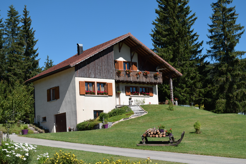 Fotos gratis monta a campo granja villa edificio - Apartamentos de montana ...