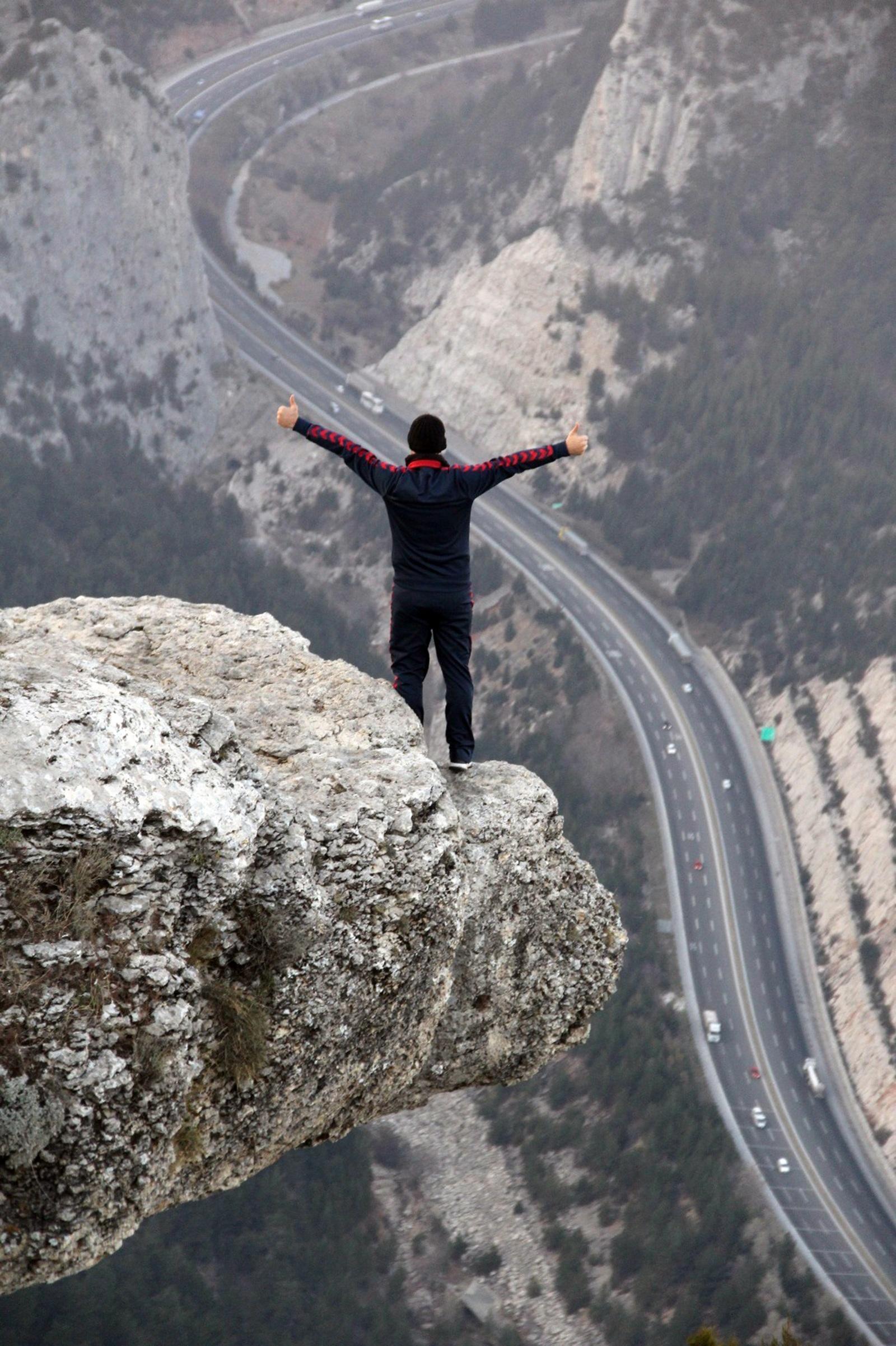Kostenlose foto : Berg, Schnee, Abenteuer, Springen, Cliff, Freiheit ...