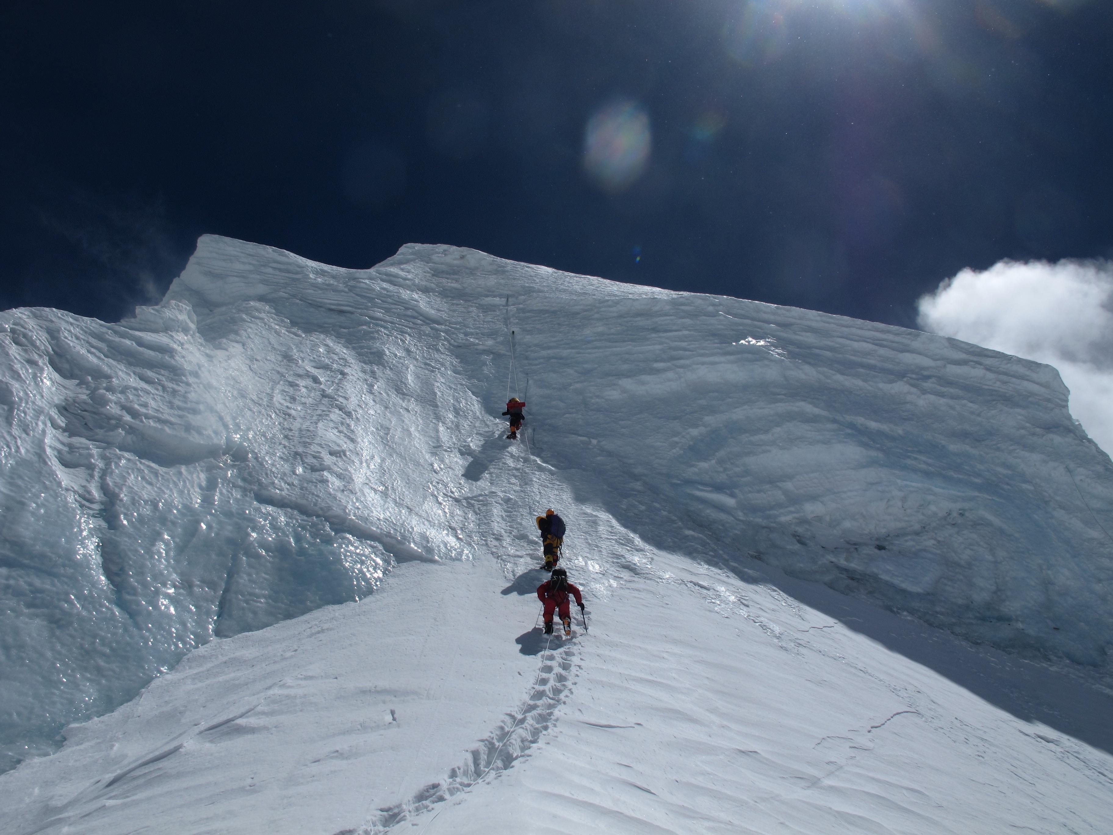 фото спуск со снежной горы смирнова заявила себе