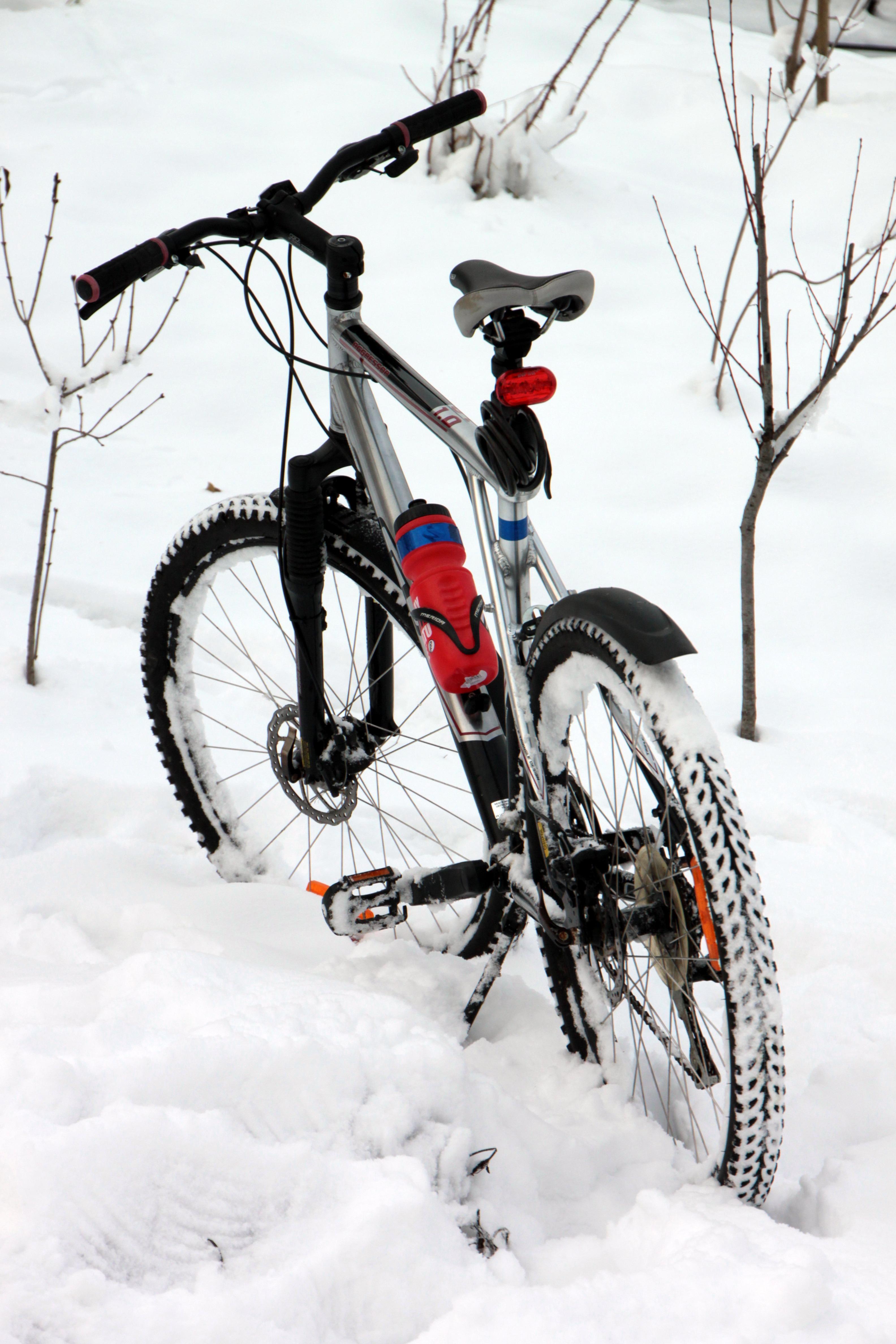 gratis afbeeldingen berg sneeuw koude winter voertuig weer sportuitrusting mountain. Black Bedroom Furniture Sets. Home Design Ideas
