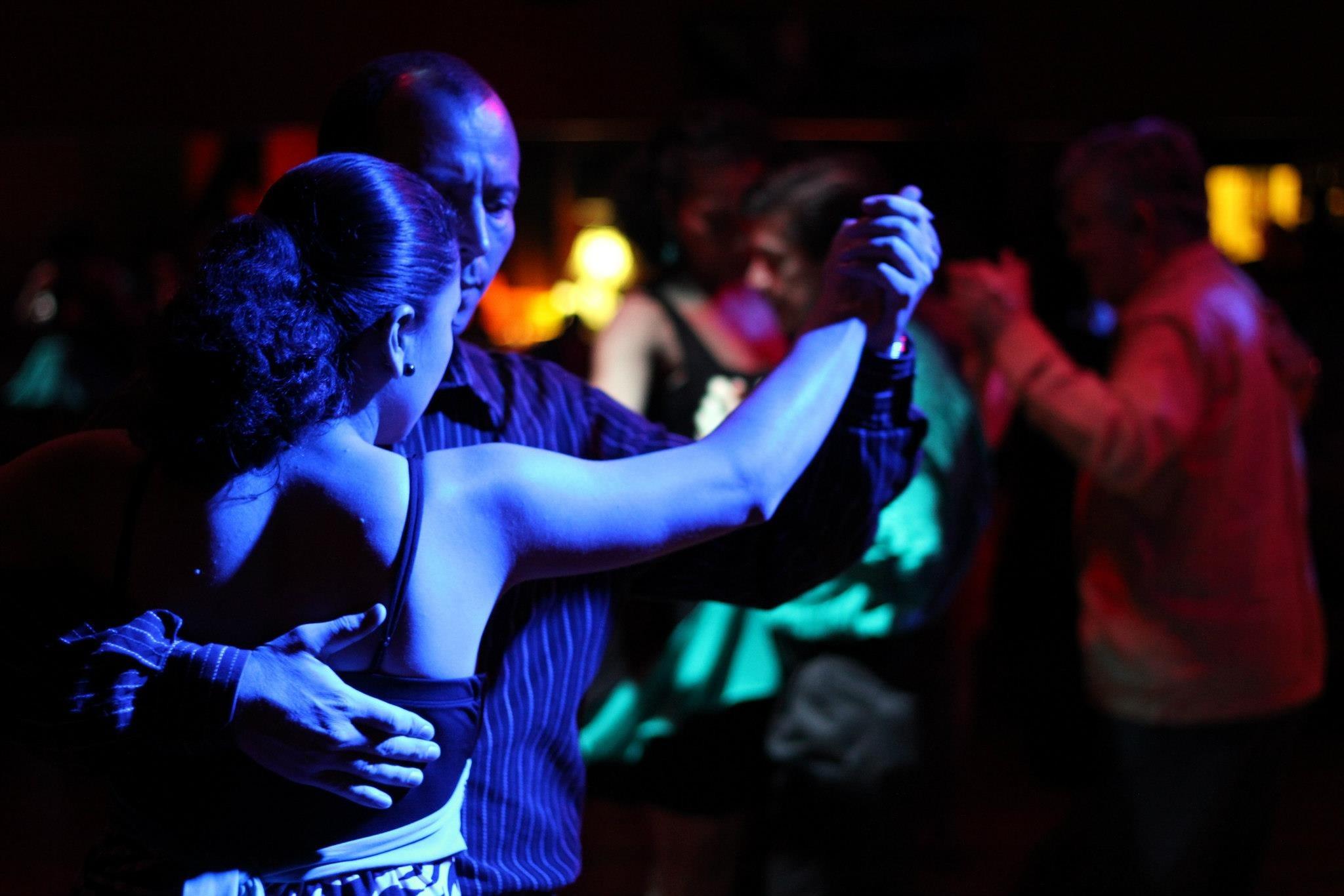 статье фото медленного танца в клубах яйцеклетки будет