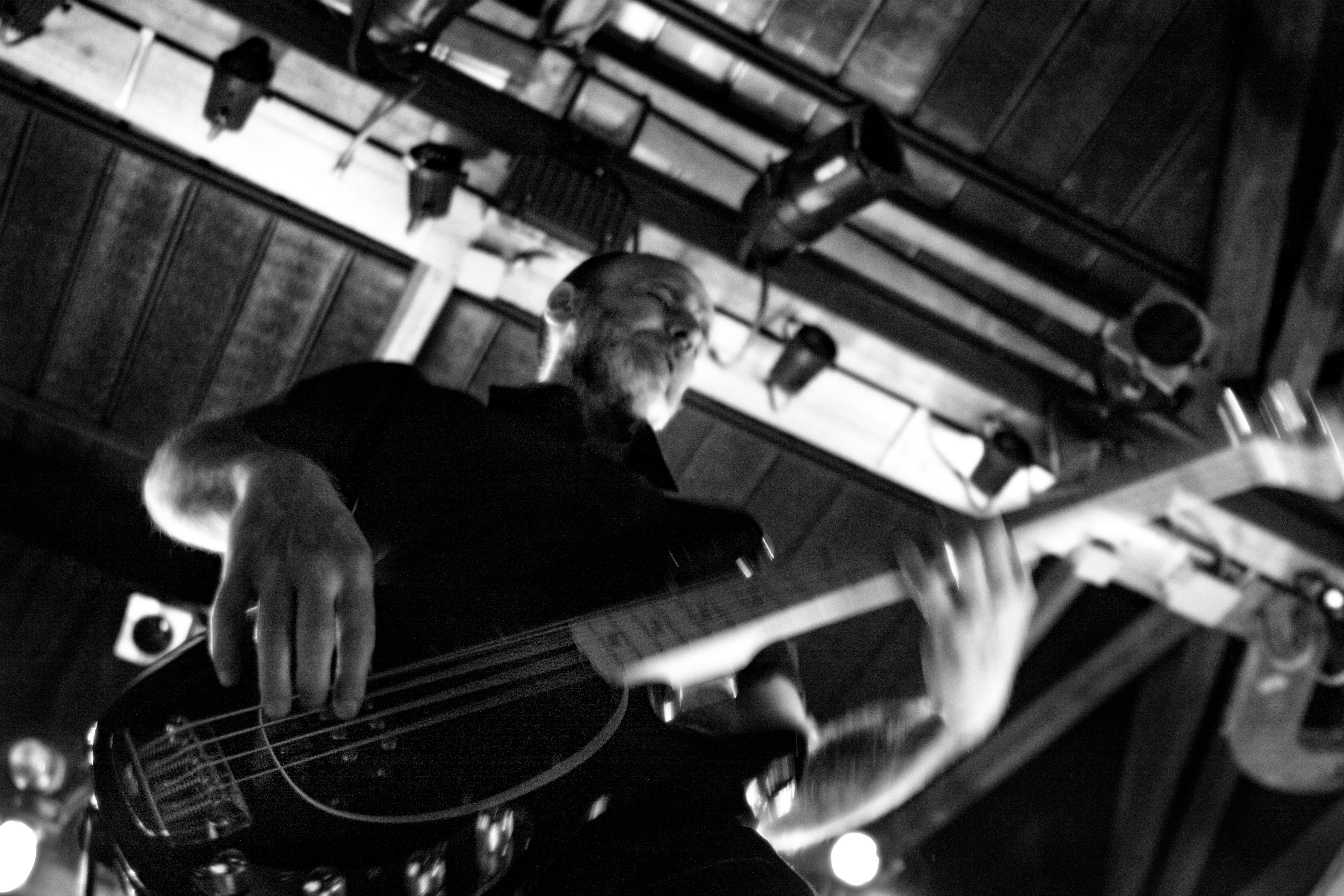 басист и ударник картинка марте богатые наследники