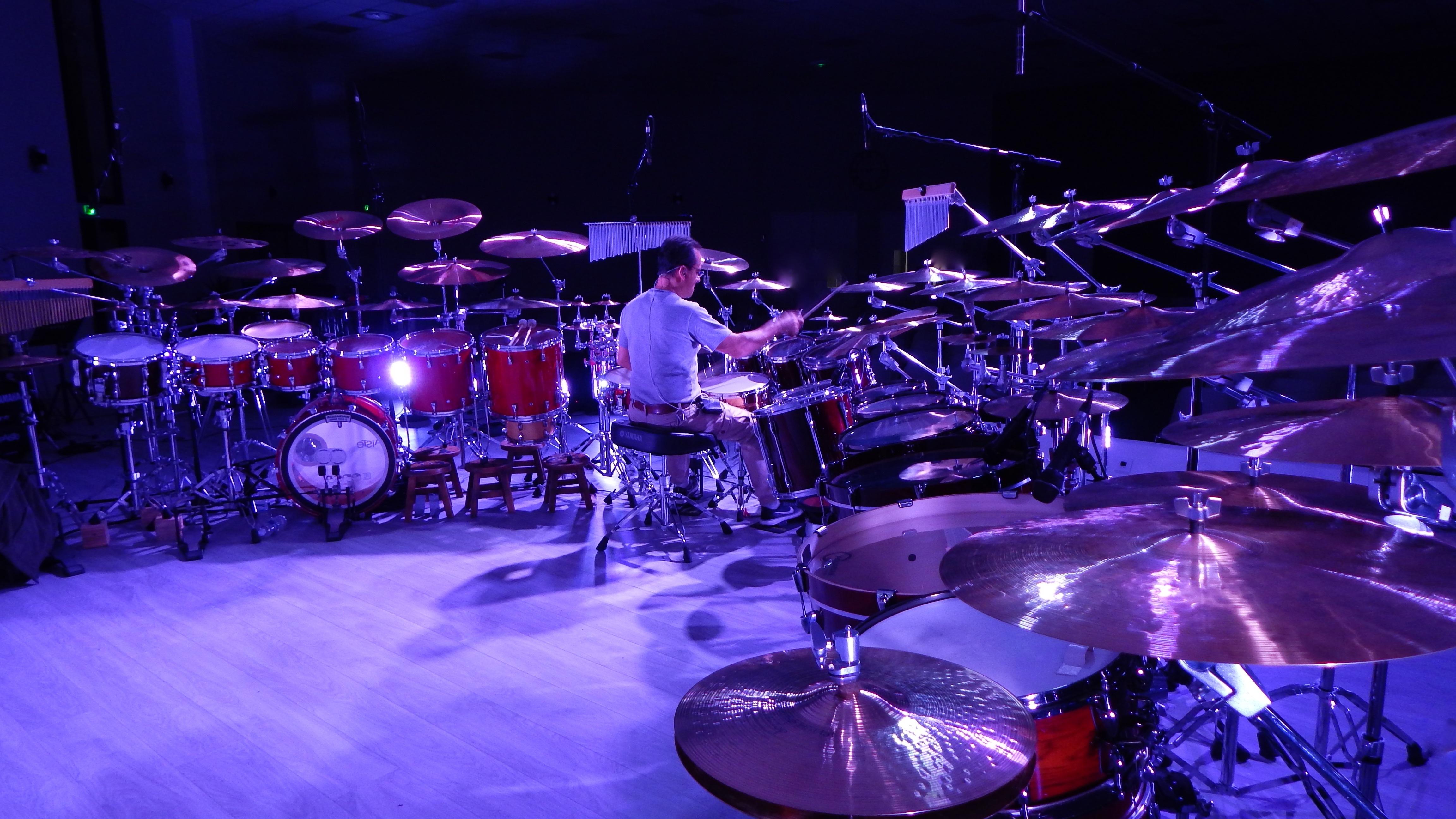 Барабанщики на концерте картинки