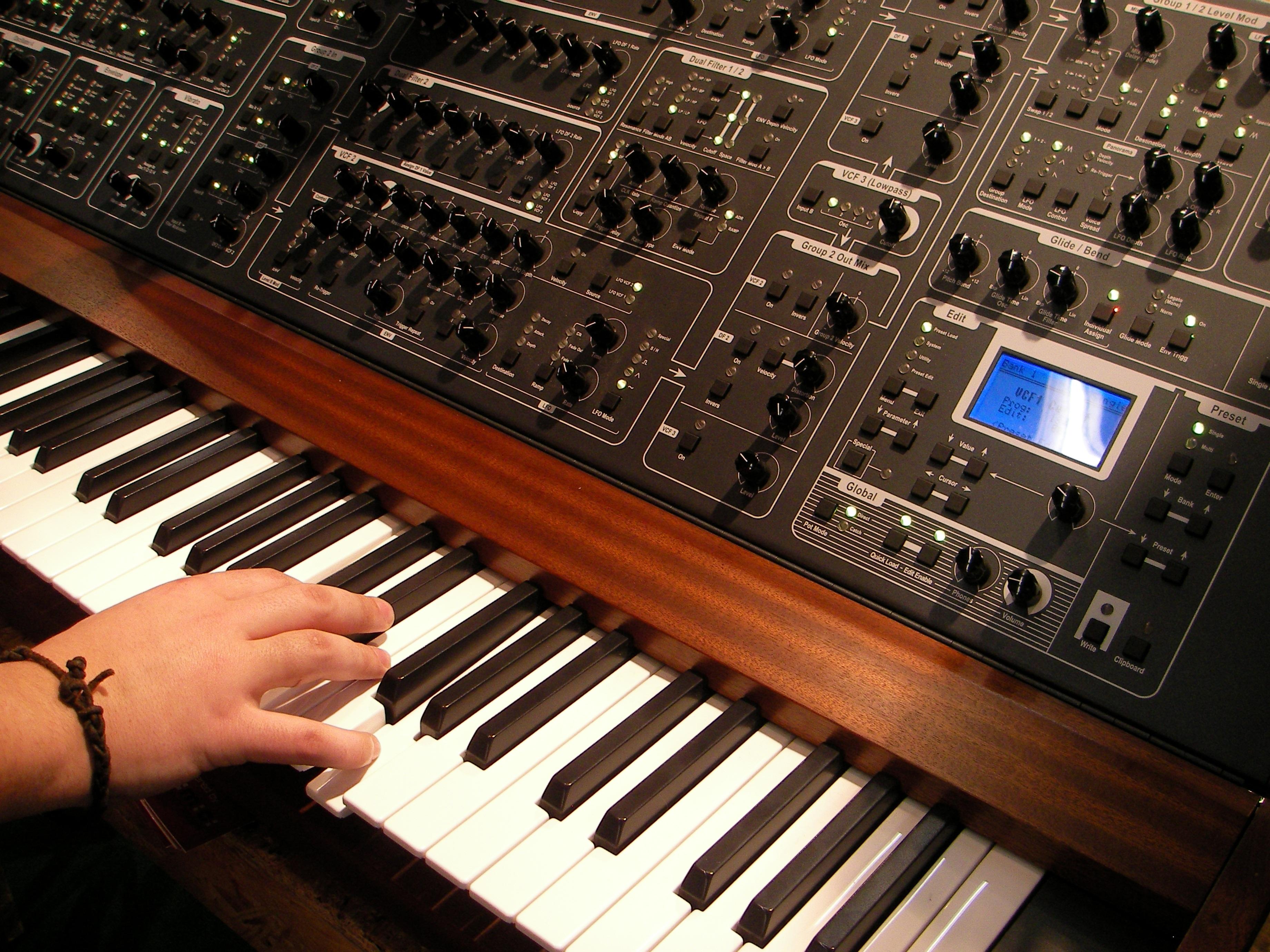 Скачать бесплатно программу музыкальная клавиатура