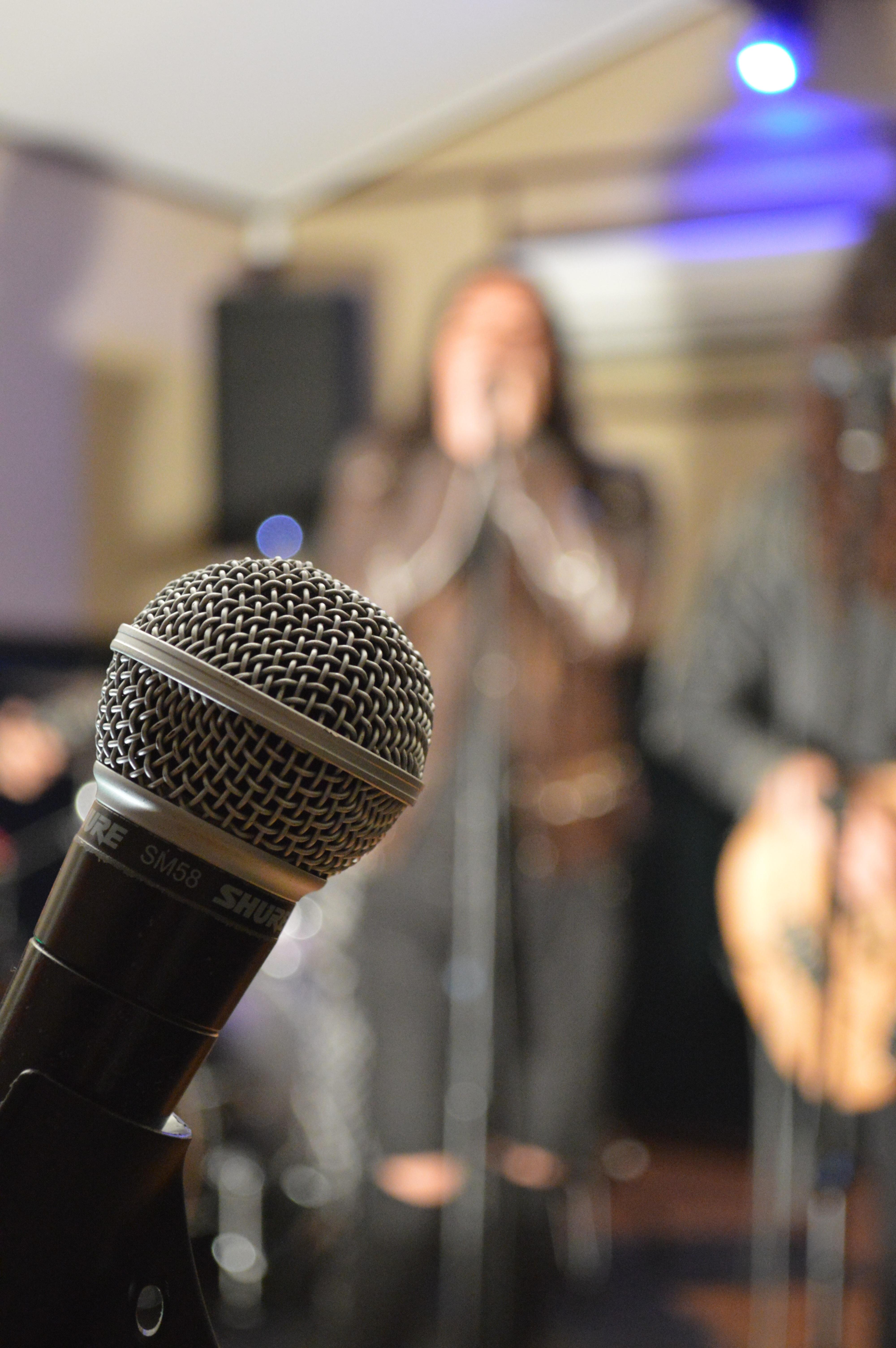 картинки Музыка микрофон Микрофон говорить Изобразительное  Музыка микрофон Микрофон говорить Изобразительное искусство Аудио Пение фотография обложка контрольная работа Презентация Сценарий Способность Звуковое