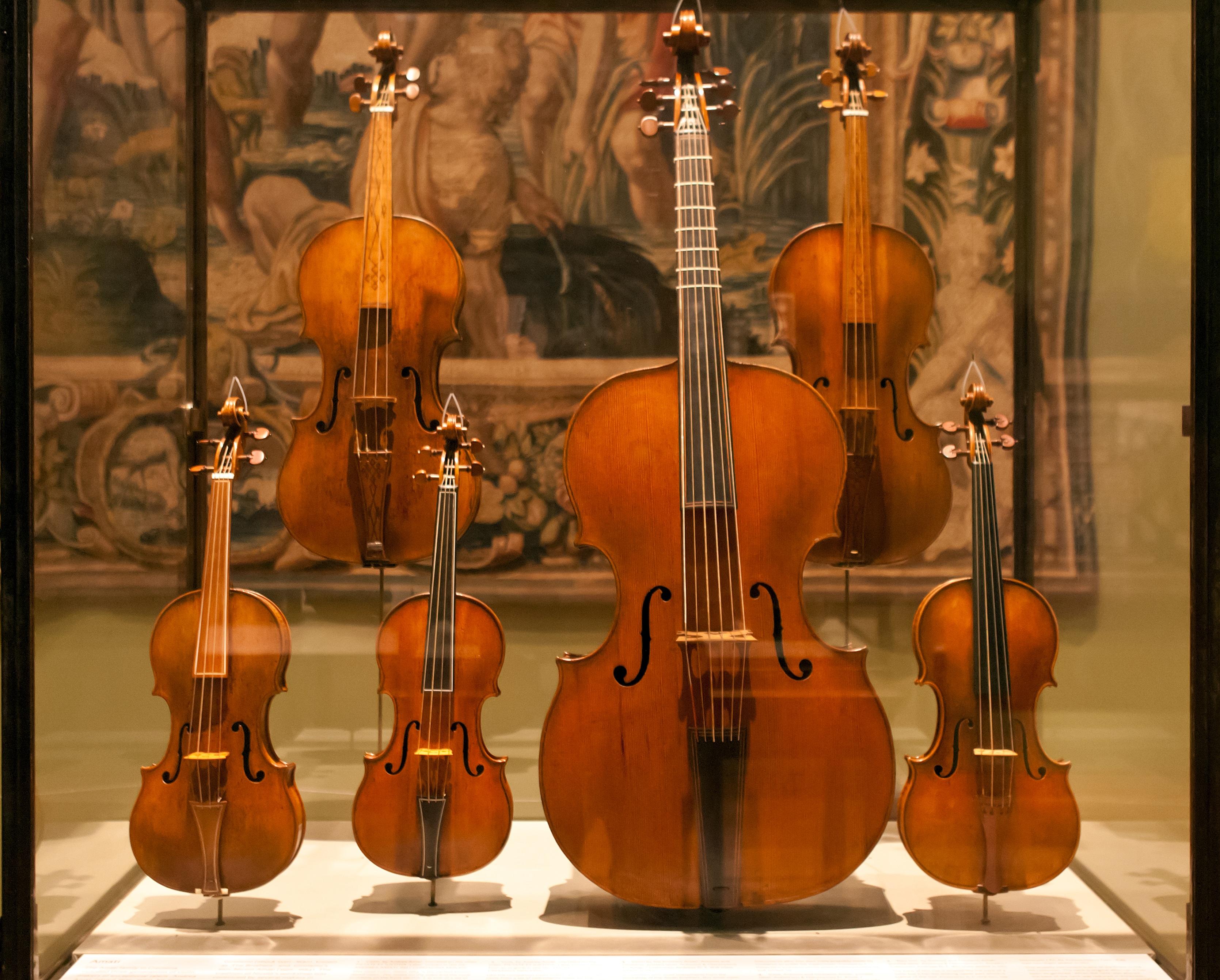 Картинки классические инструменты