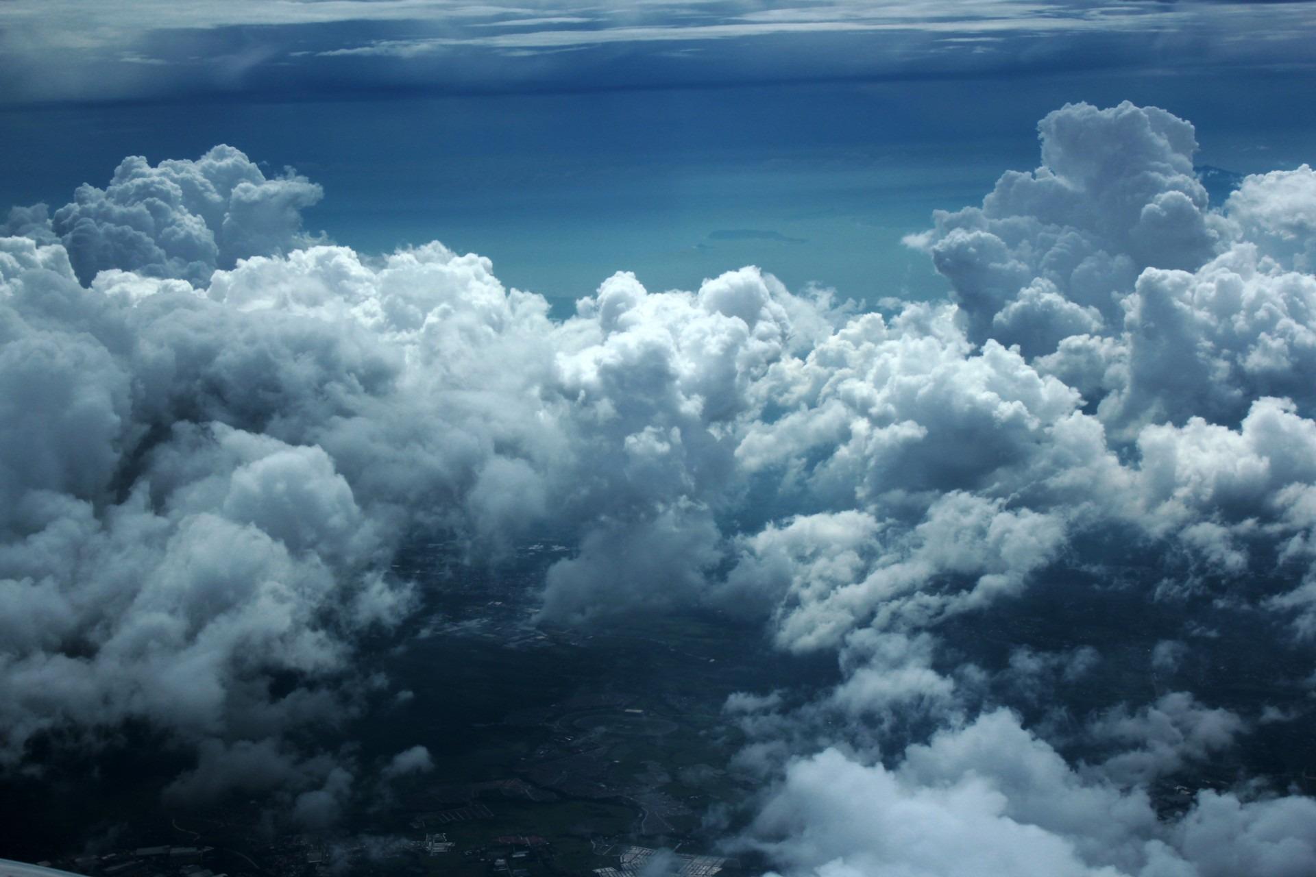 Gambar Alam Berawan Suasana Cuaca Gumpalan Awan Langit Biru