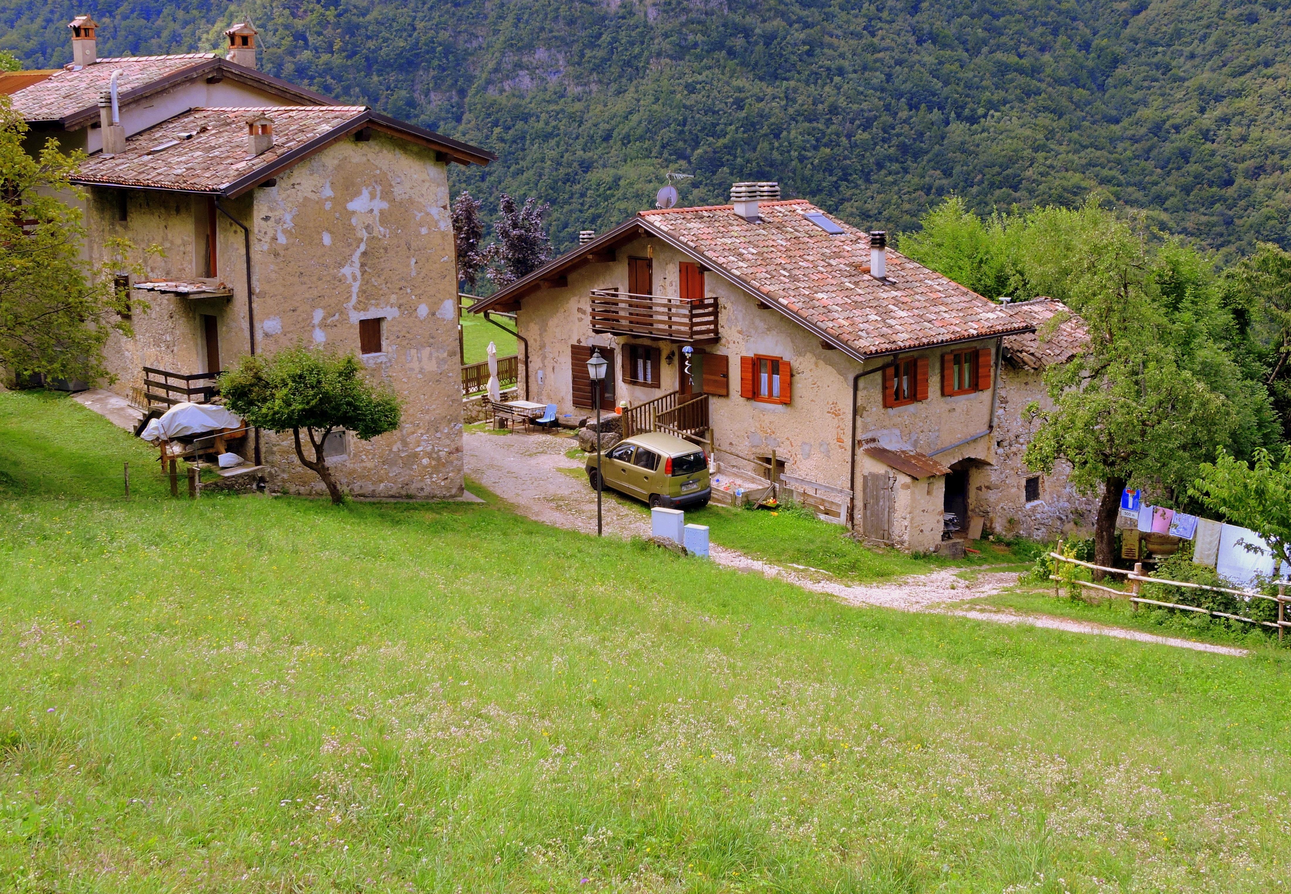 Fotos gratis naturaleza granja edificio choza pueblo - Casa rural con granja ...