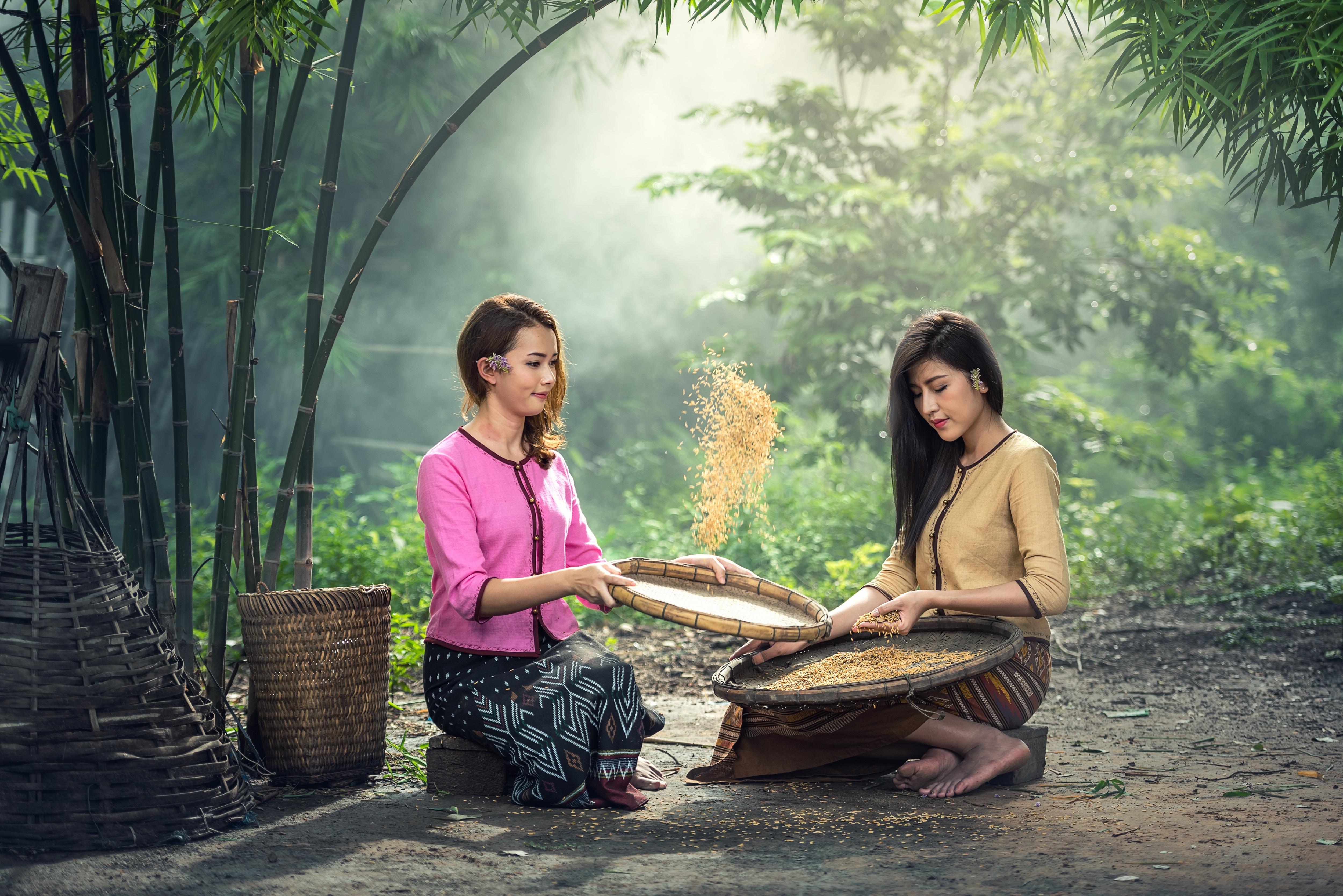 Mature Indonesian Women