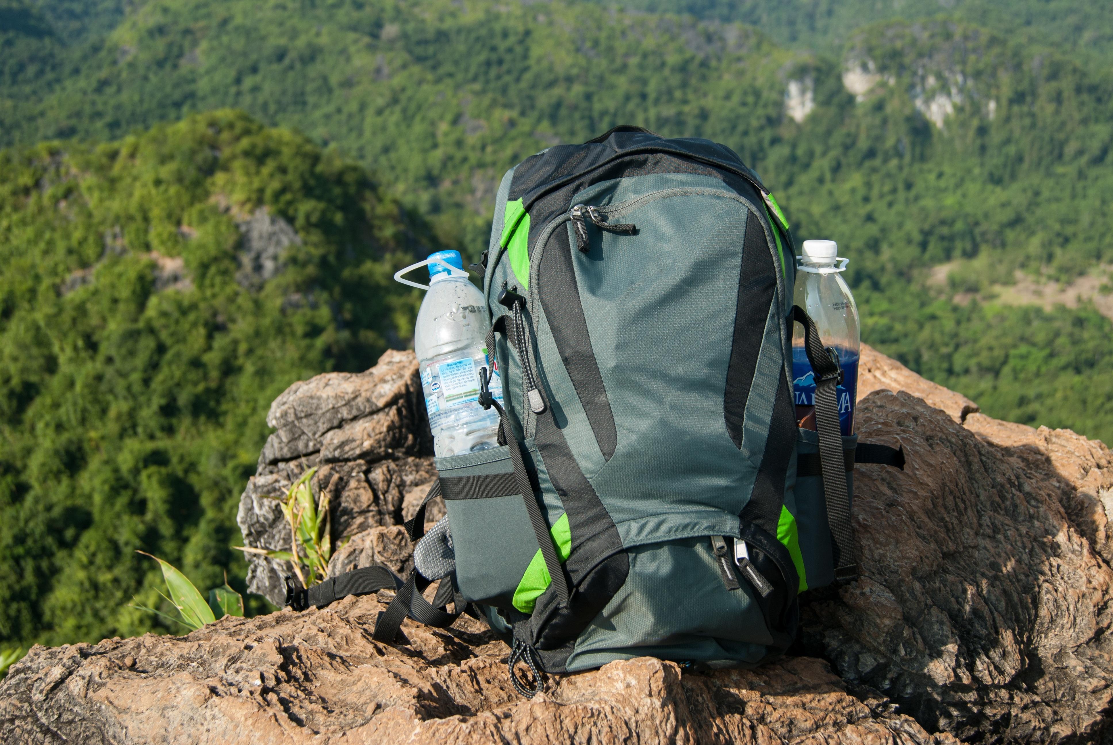 кушетка, рюкзак путешественника картинка владеть своим