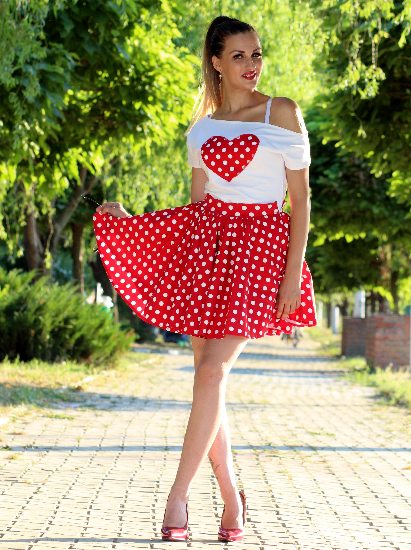 Fotos gratis : naturaleza, niña, corazón, patrón, rojo, parque, Moda ...