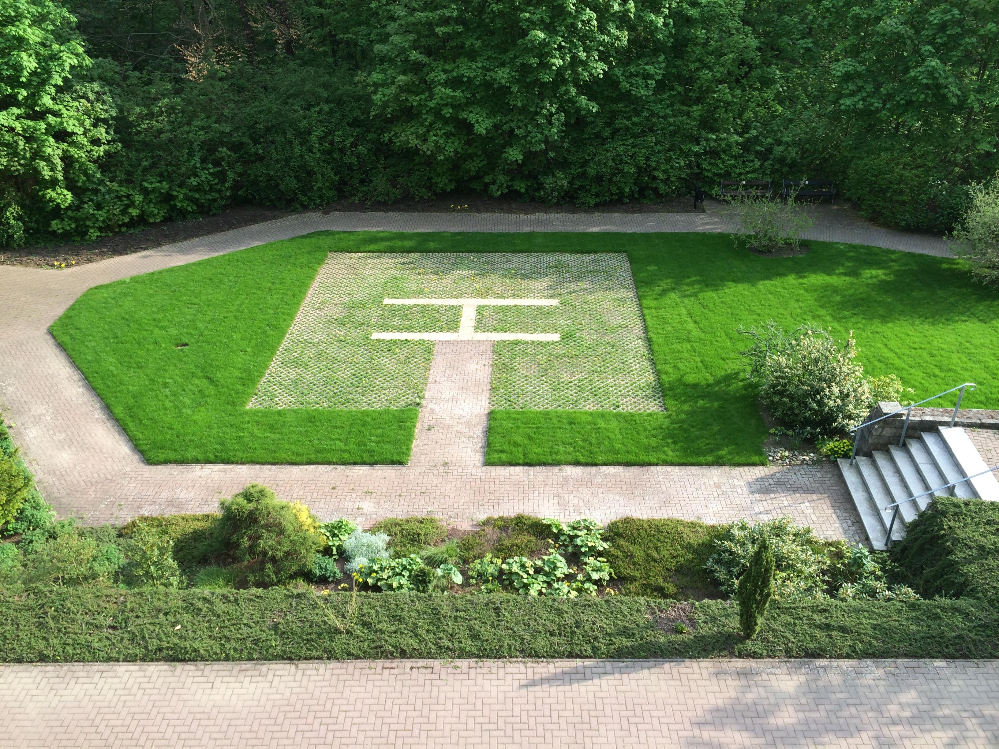 Nature Grass Lawn Meadow Spring Park Backyard Garden Memorial Landscaping  Helipad Shrub Estate Yard Flooring Landscape