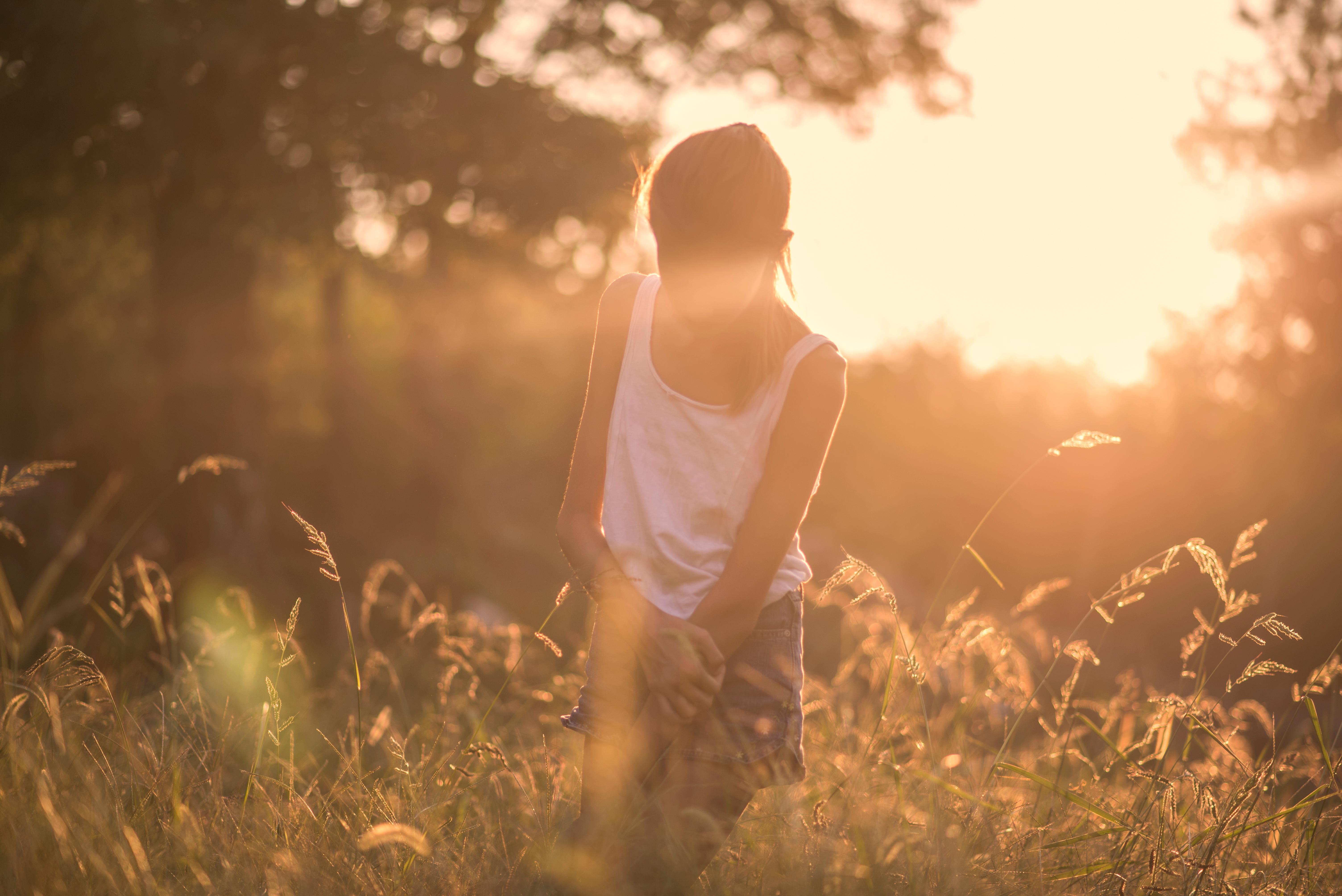 Фото красивых девушек в лучах солнца, Девушка в лучах солнца Girl in the sun Похожие фото 12 фотография