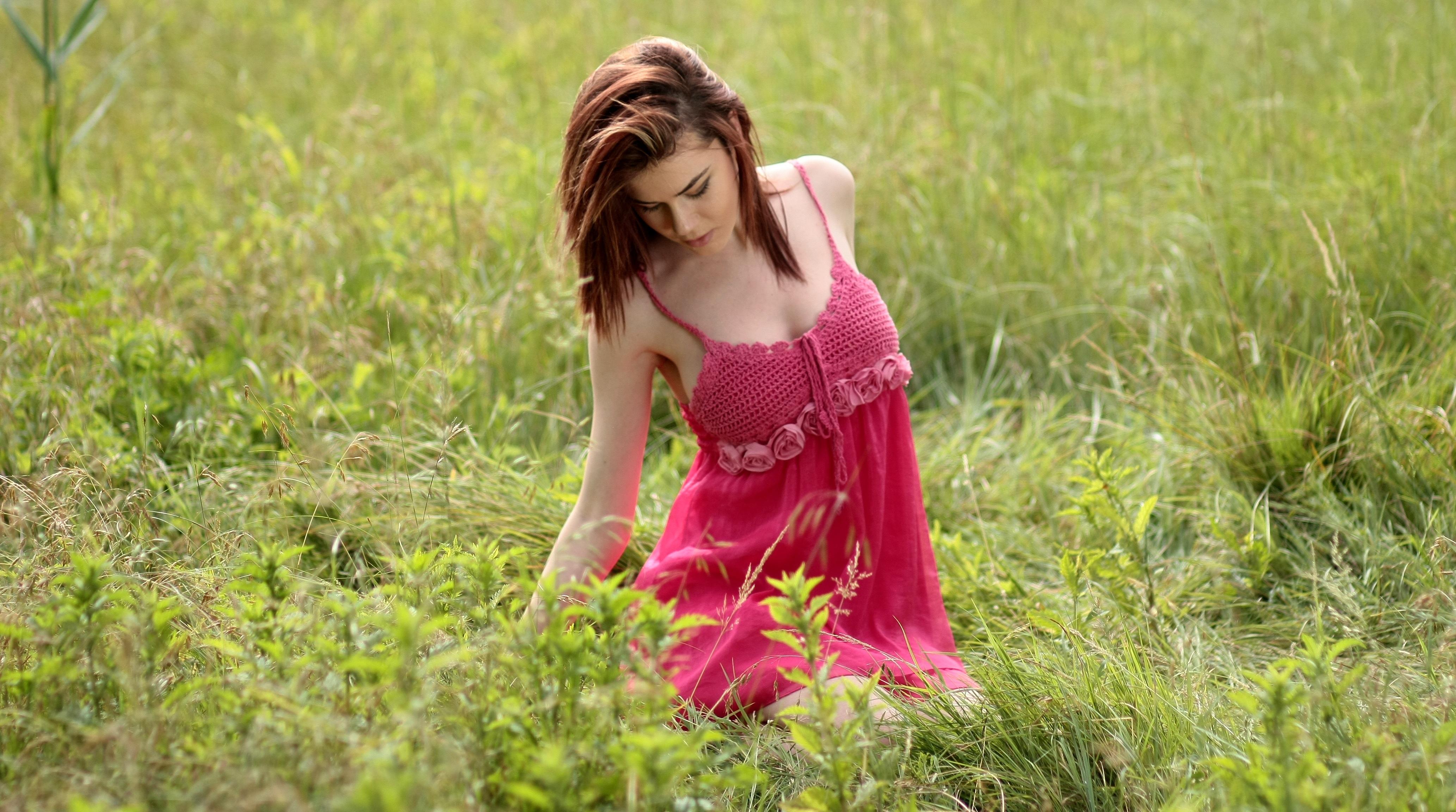 Fotoğraf : doğa, çimen, dış mekan, insanlar, kız, kadın