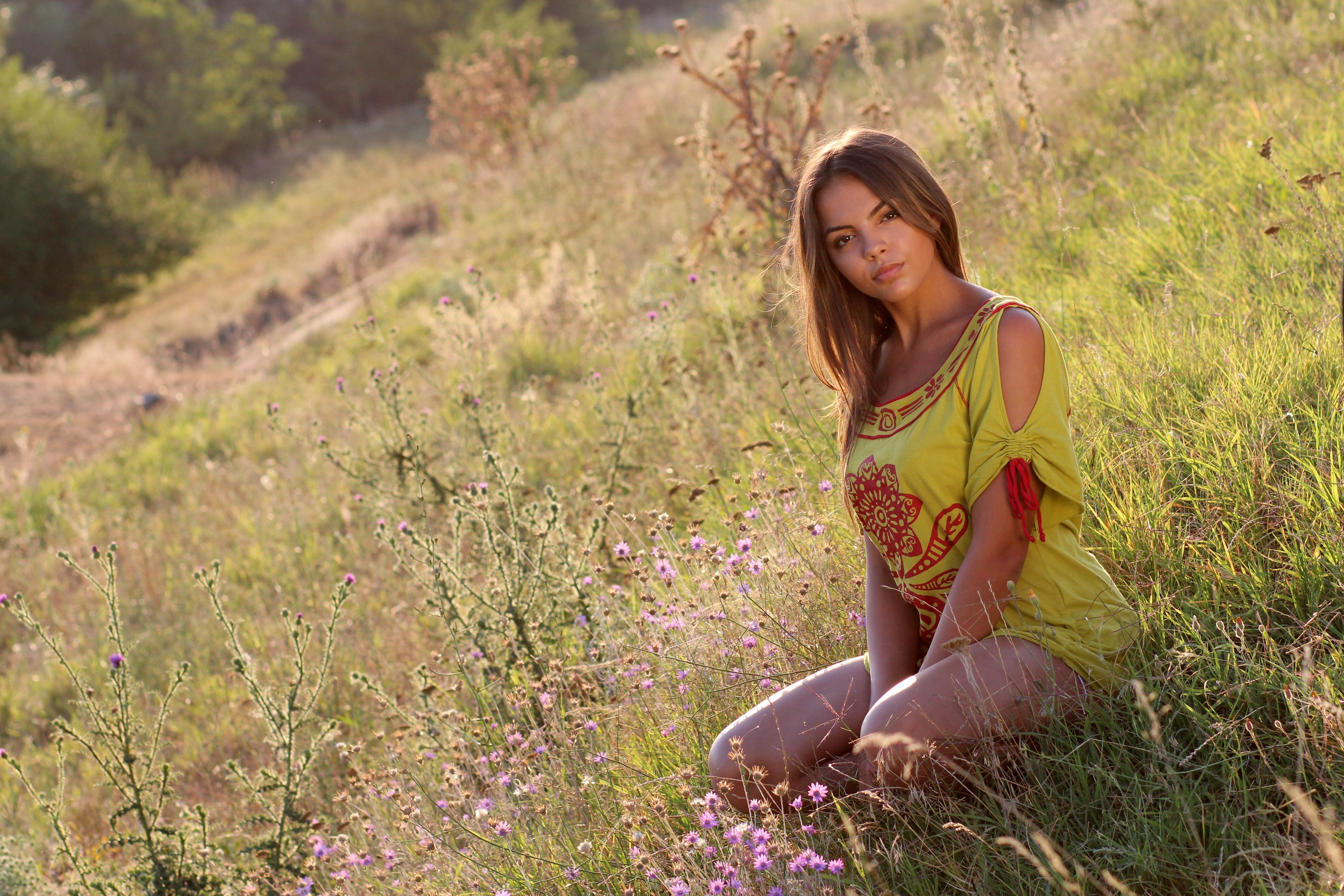 Картинки с фото девушек на природе