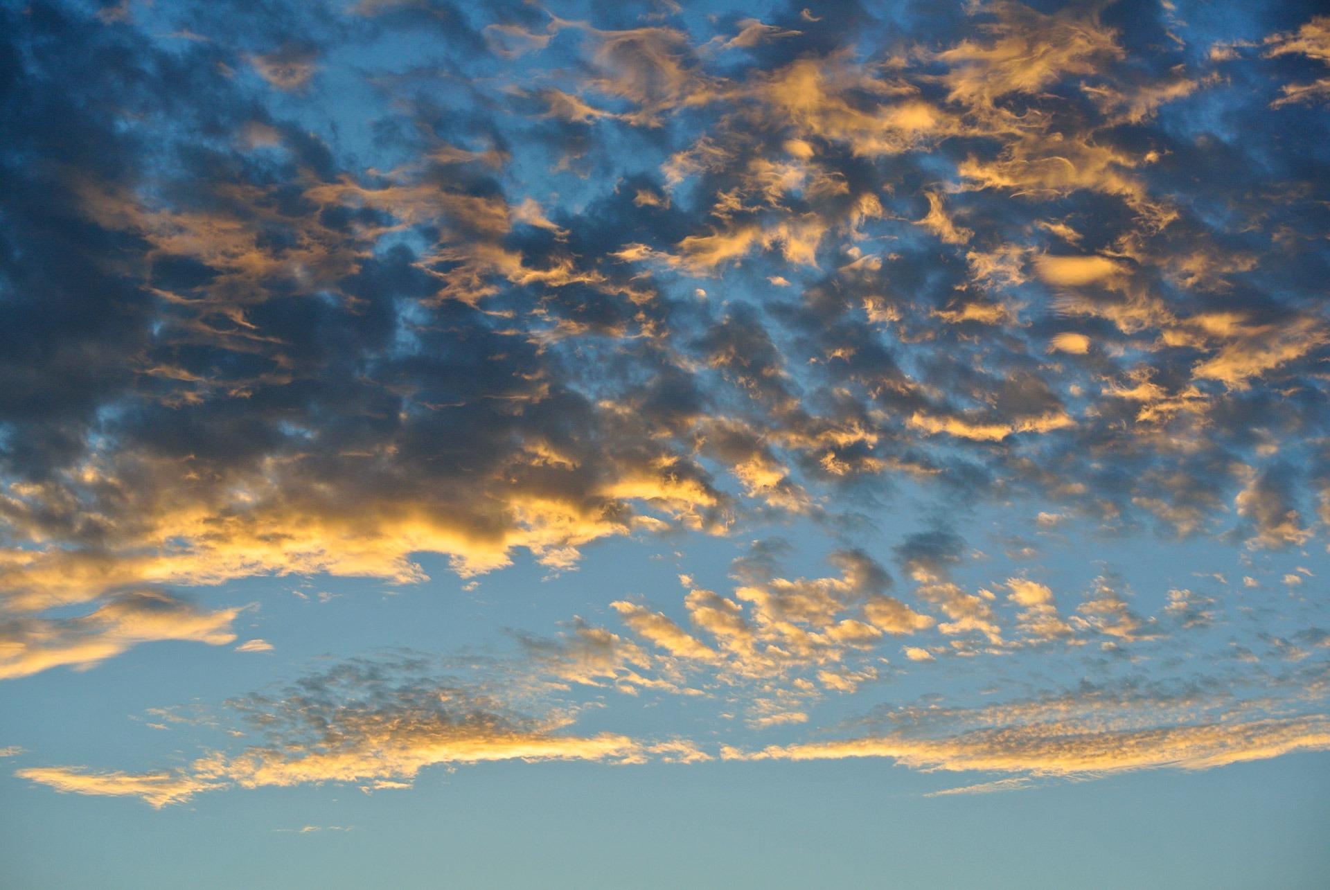 теме сделать фото на фоне облаков название
