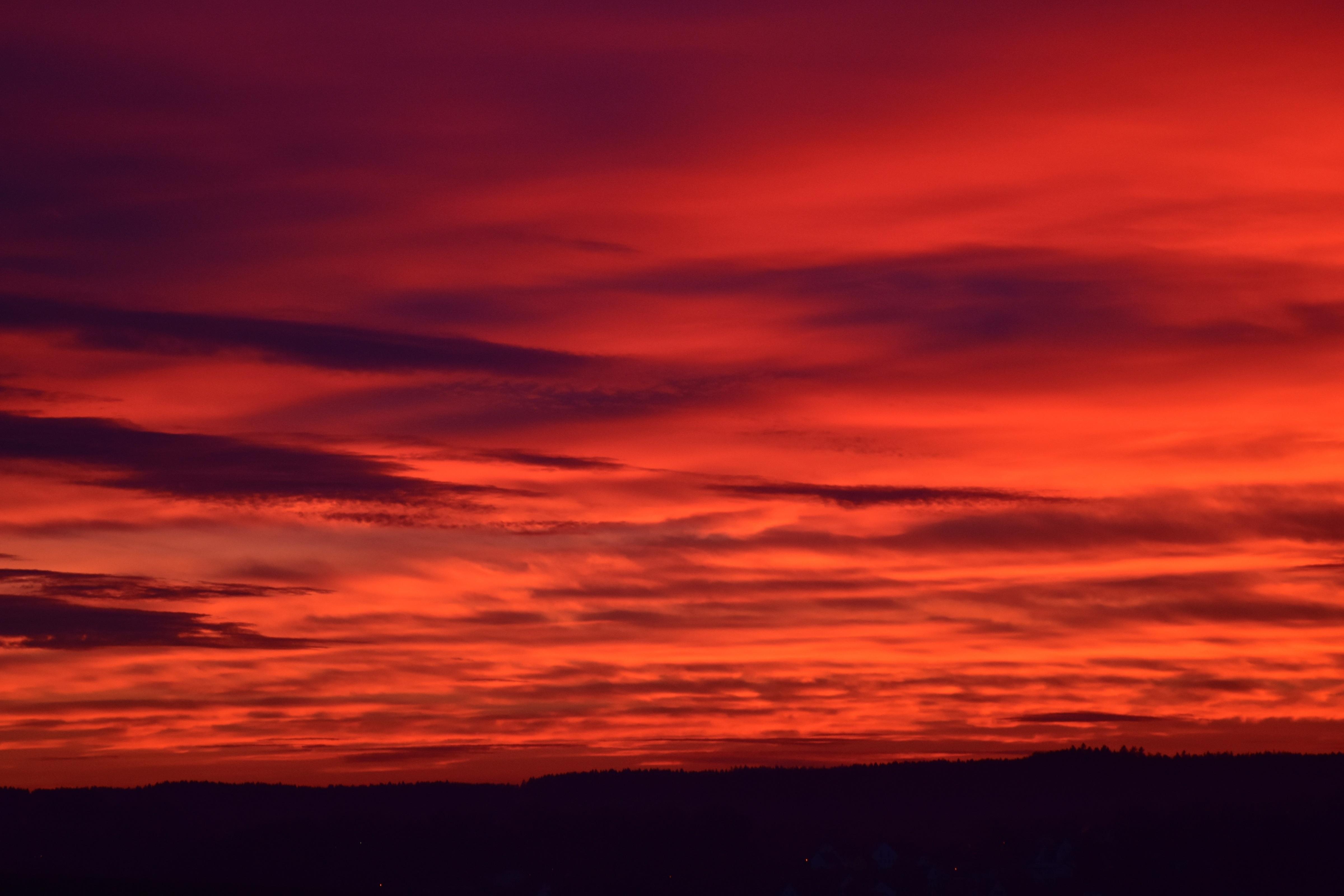 Кровавое небо картинка