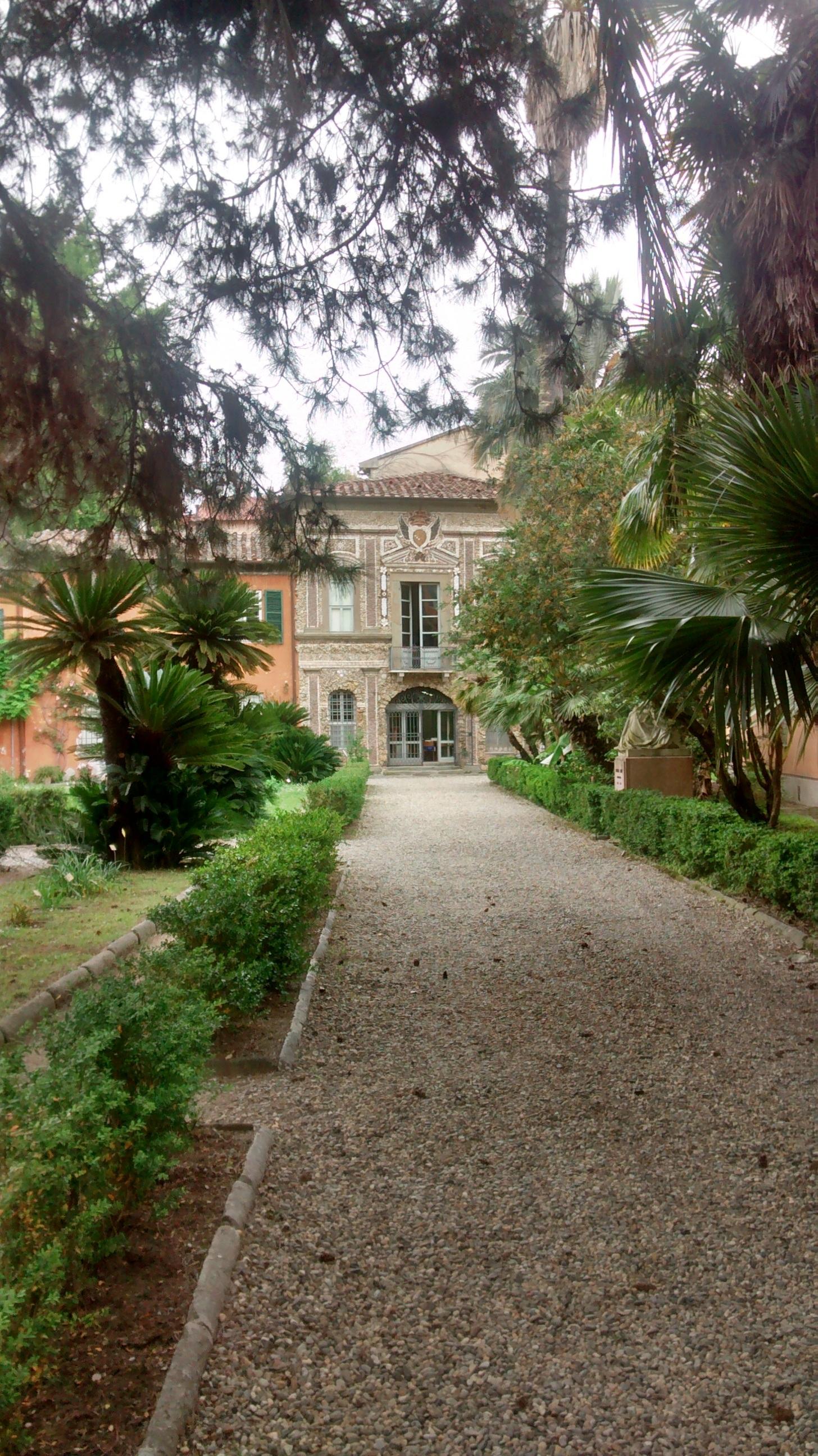 Fotos gratis naturaleza c sped casa pasarela pueblo verde caba a patio interior - Ley propiedad horizontal patio interior ...