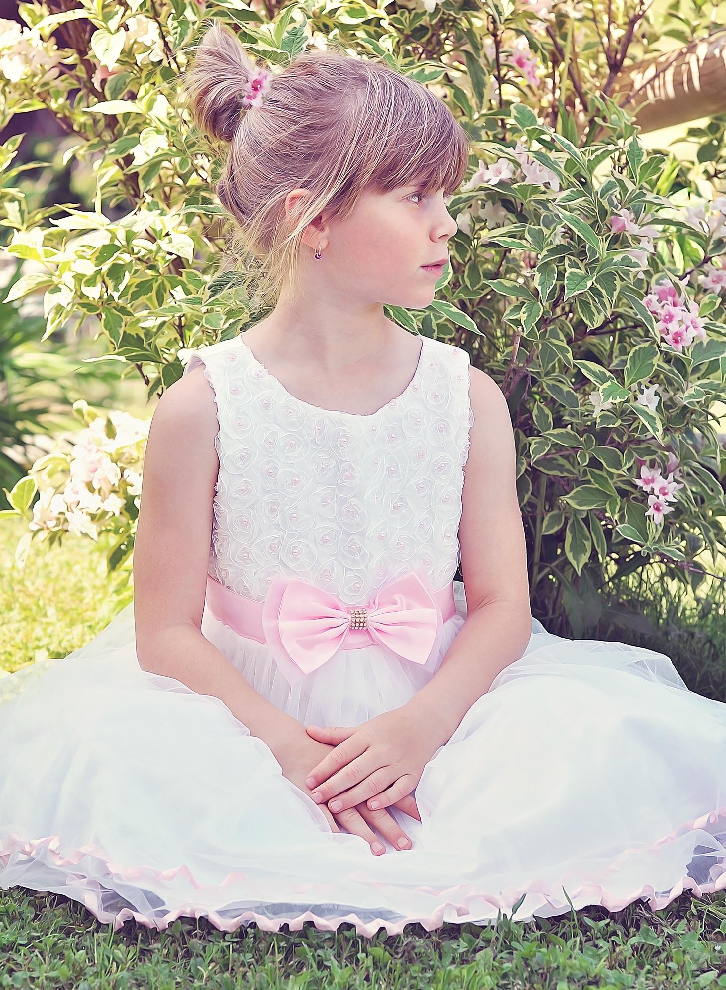 e8b49f12 natur person pige kvinde hår blomst sommer portræt forår barn human tøj  dame lyserød bryllupskjole brud