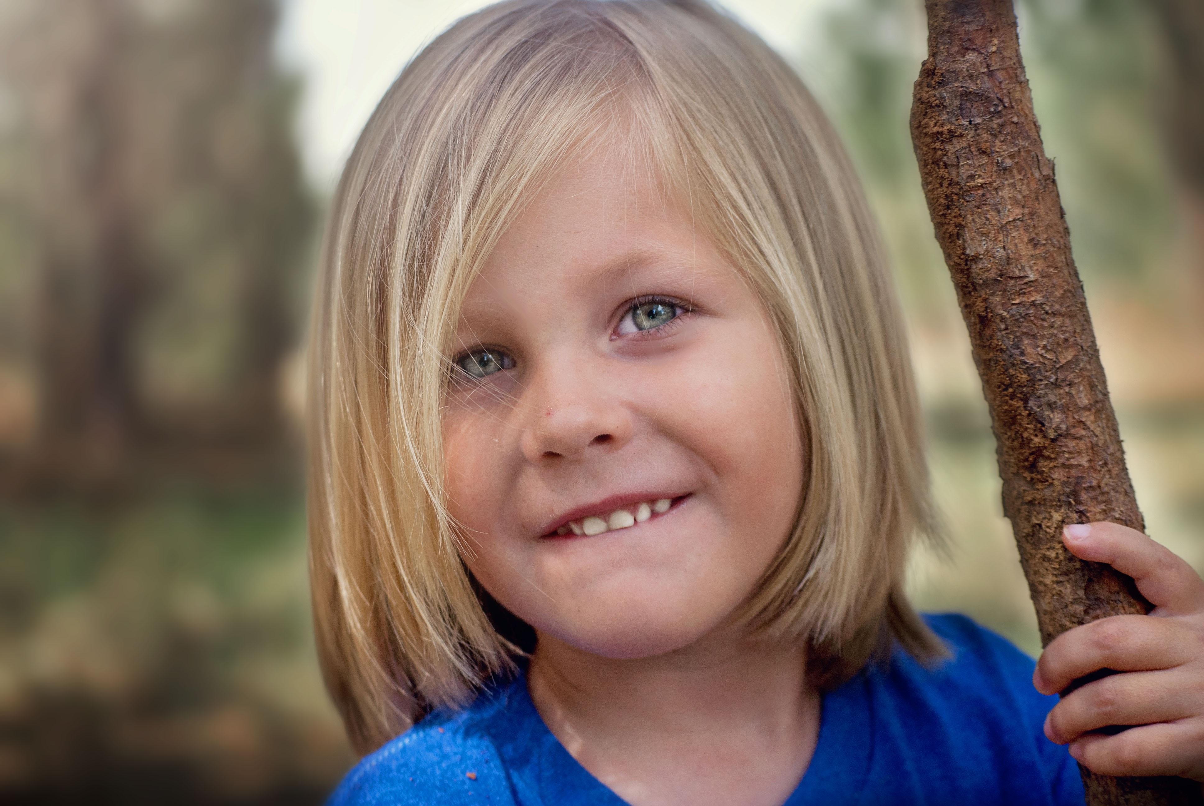 58d52d3b Bildet : natur, person, mennesker, pike, hår, hvit, fotografering, blomst,  gutt, kid, søt, mann, portrett, ung, vår, barn, ansiktsuttrykk, barndom,  frisyre, ...