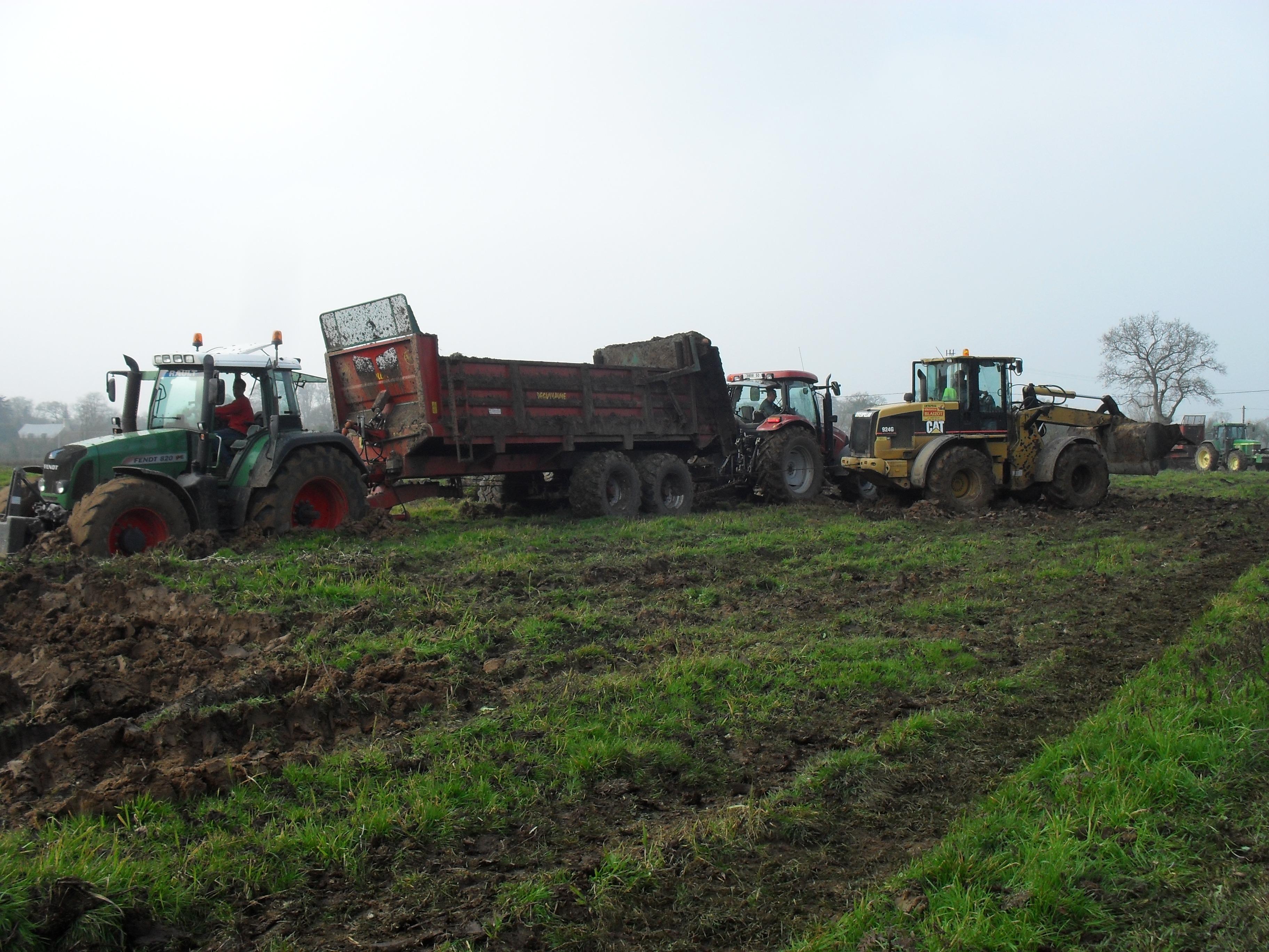 Kostenlose foto : Natur, Traktor, Feld, Bauernhof, Ernte, Fahrzeug ...