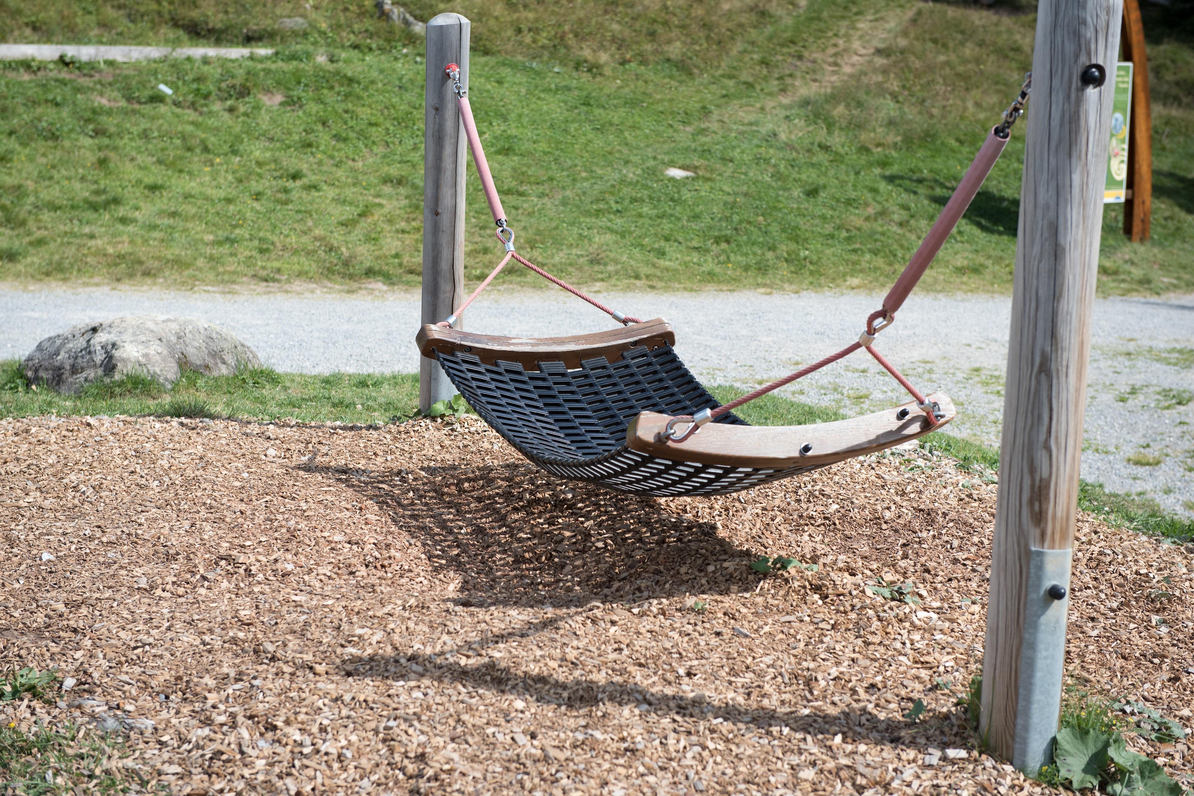 kostenlose foto natur fahrzeug entspannen sie sich hinterhof leer sich ausruhen swing. Black Bedroom Furniture Sets. Home Design Ideas