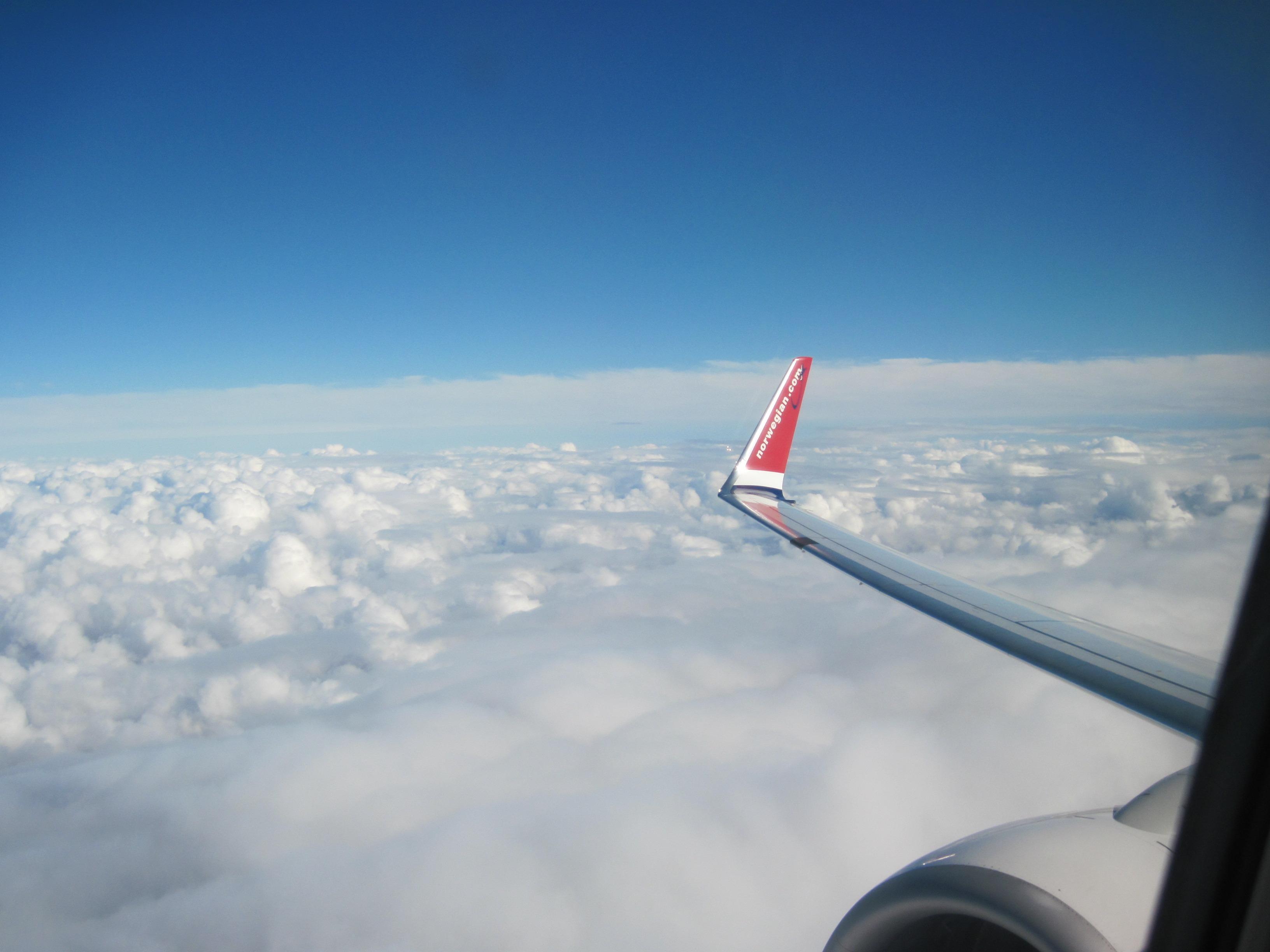они соответствии картинки самолет в небе зимой астрономический магазин