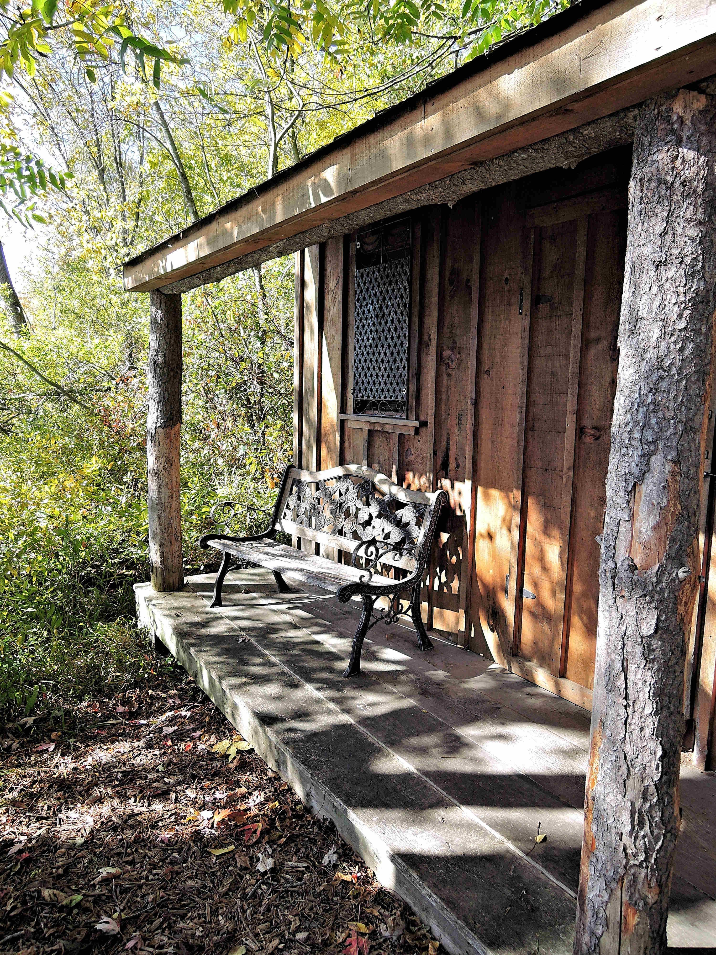 images gratuites la nature maison cabanon porche chalet l 39 automne arri re cour canada. Black Bedroom Furniture Sets. Home Design Ideas