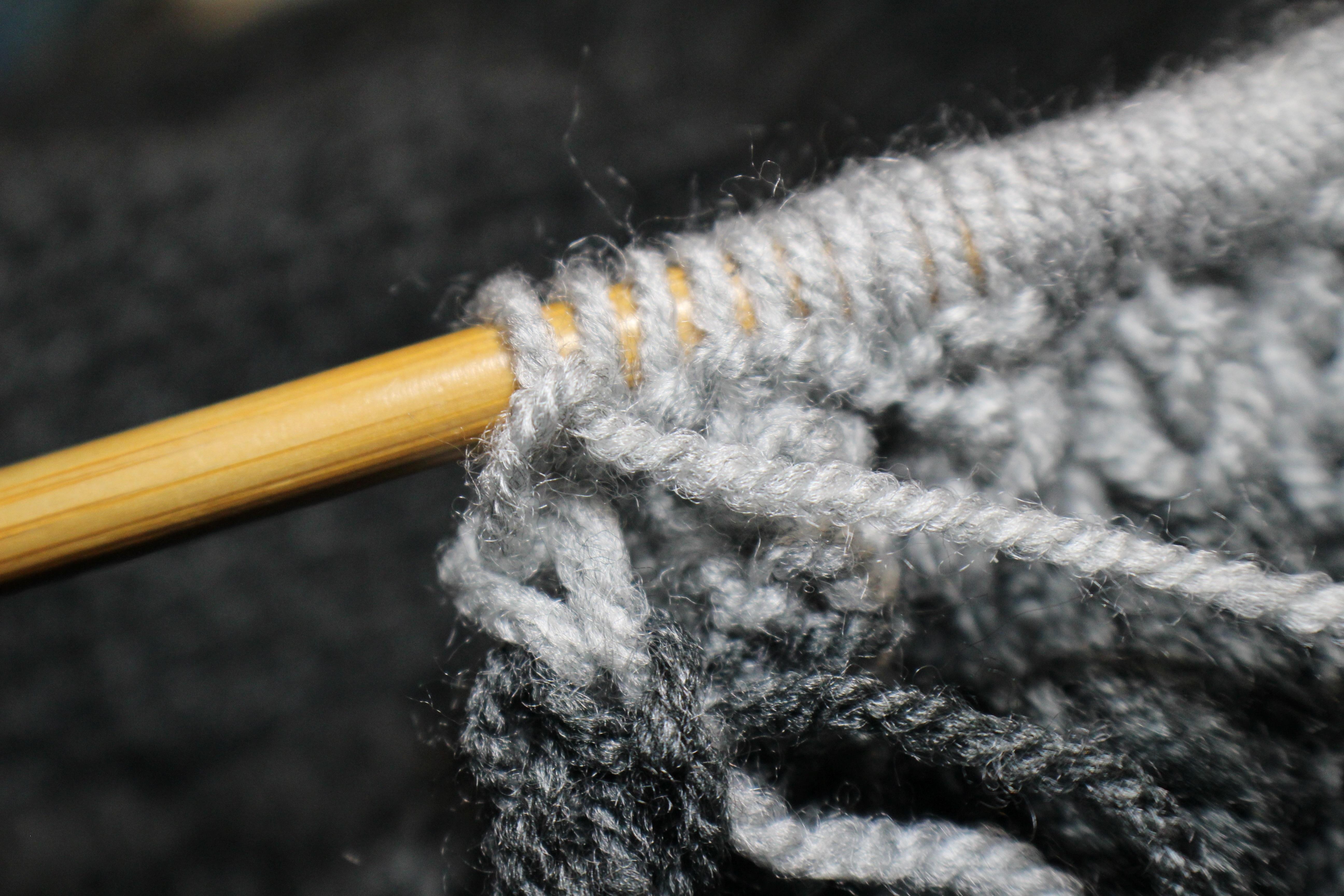 Cây Kim Đan Len Vật Chất Chủ Đề Crochet Đan Dệt May Màu Xám Nghệ Thuật