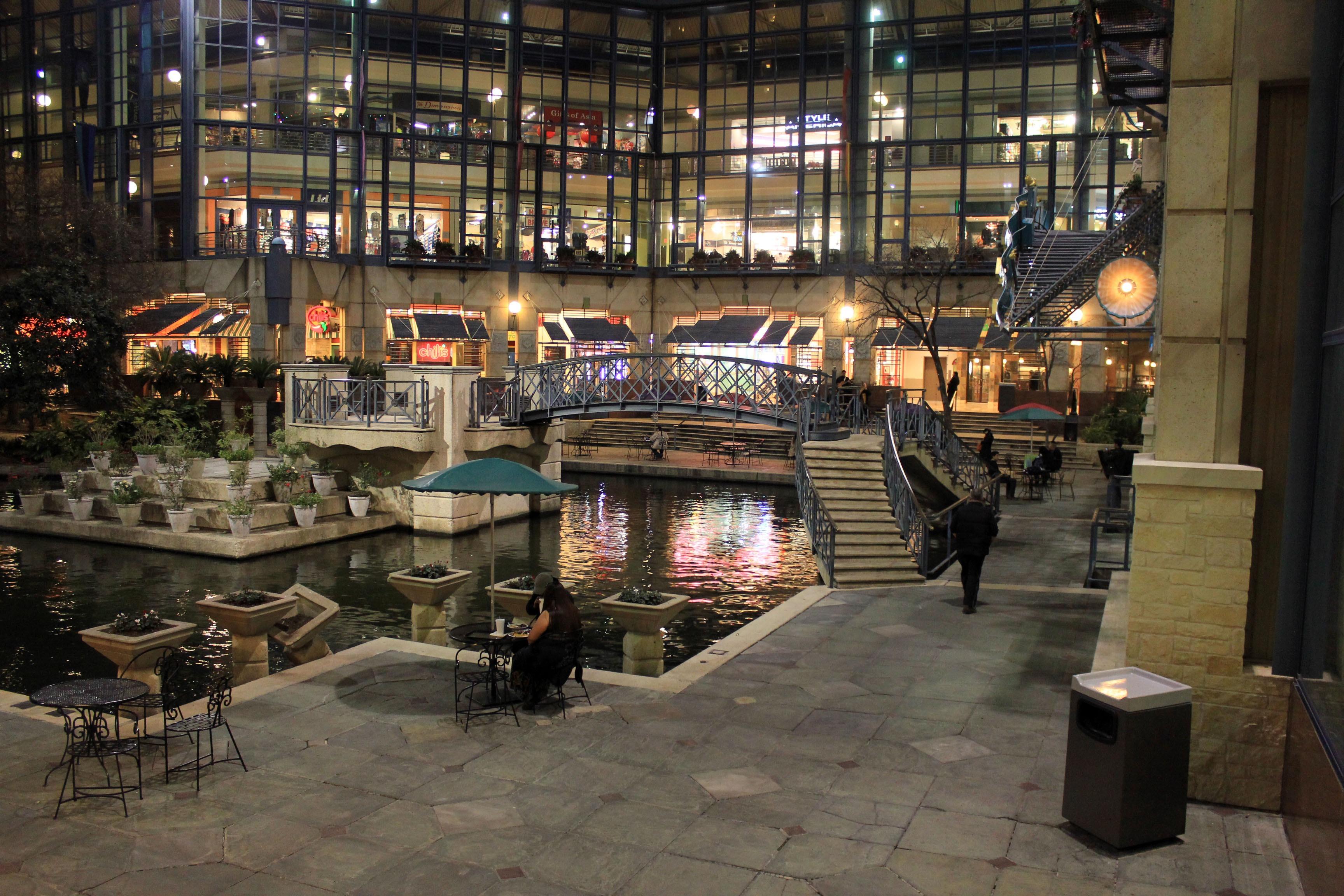 kostenlose foto : nacht-, gebäude, restaurant, plaza, usa, Innenarchitektur ideen