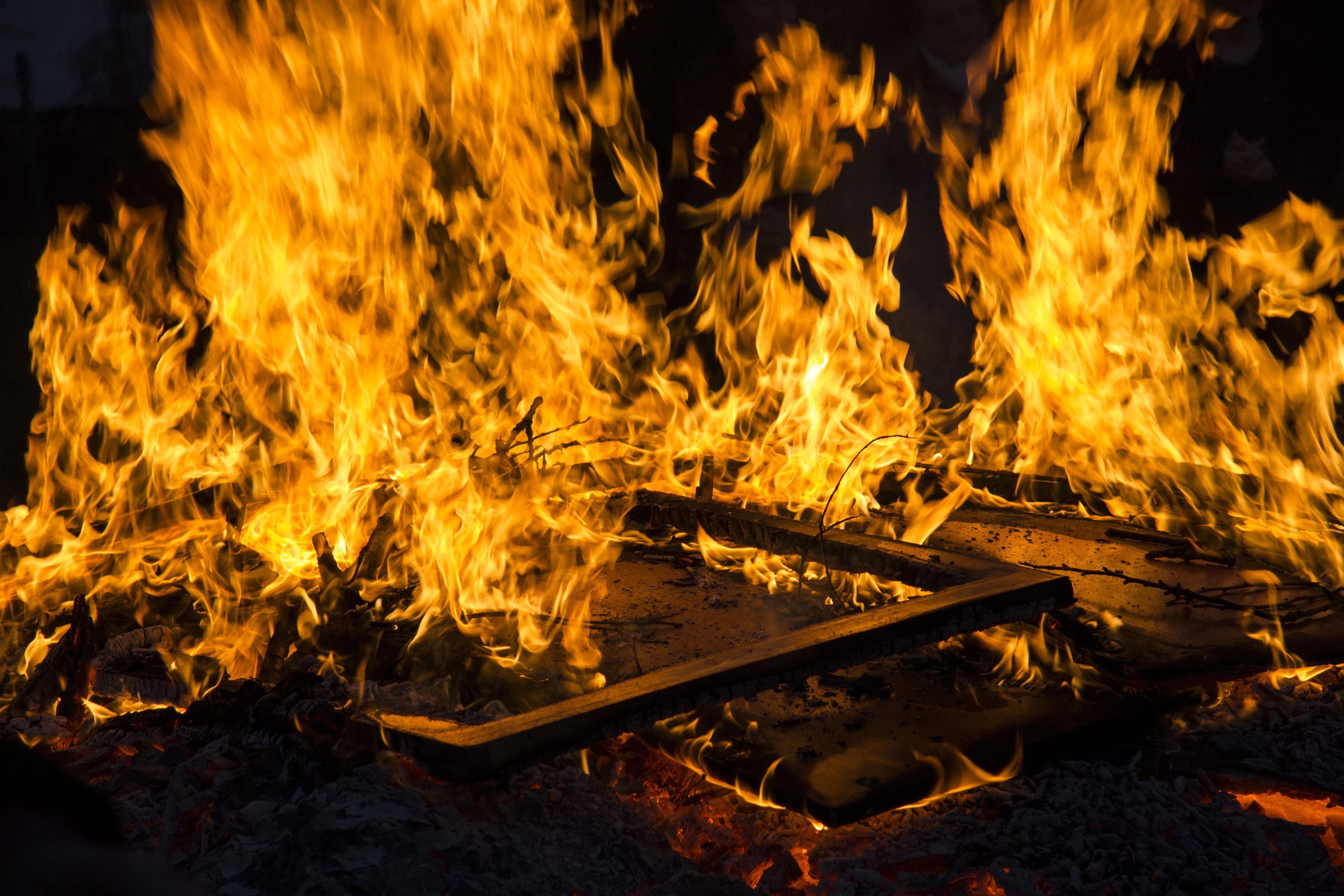 Kostenlose foto : Nacht-, Flamme, Feuer, Dunkelheit, Lagerfeuer ...