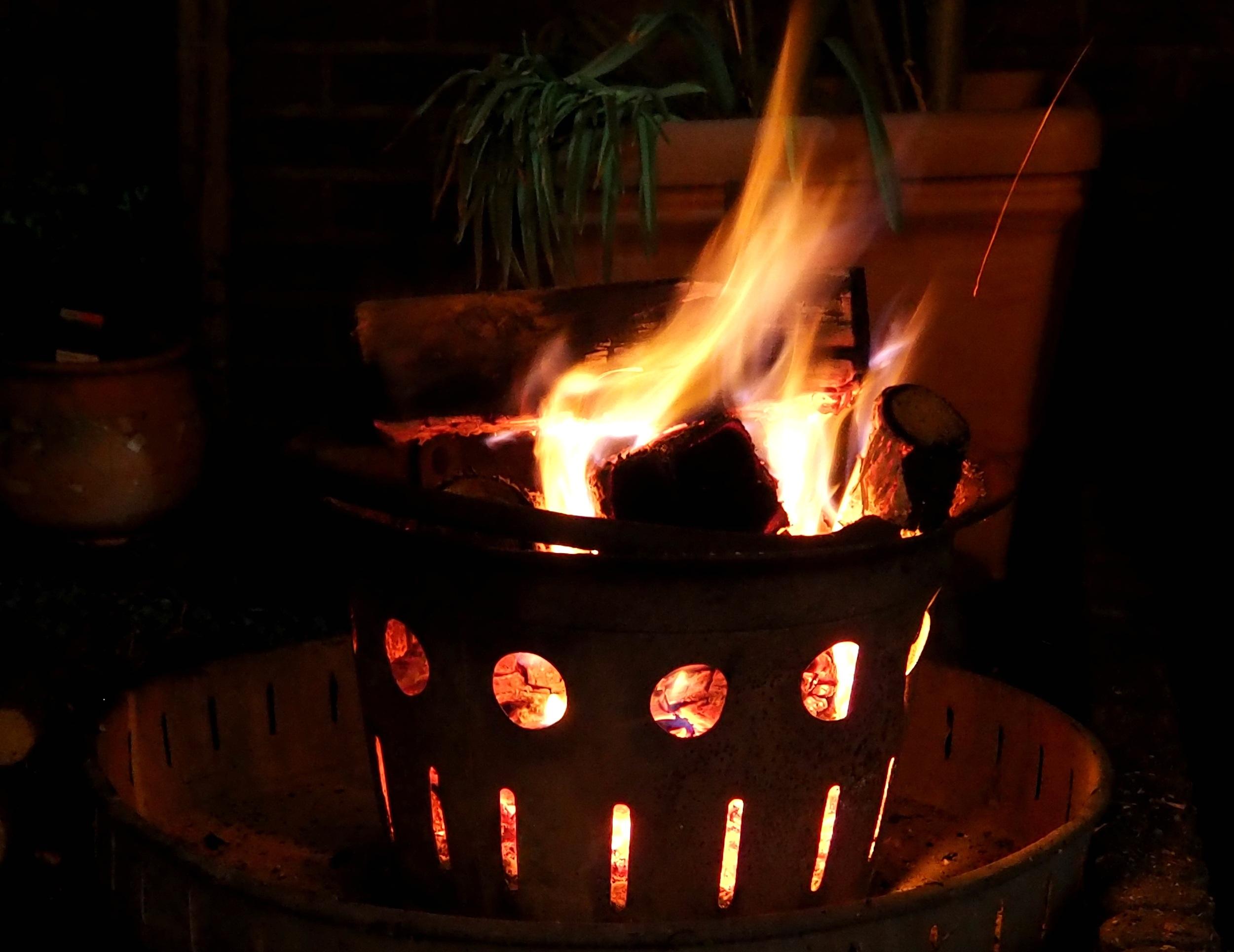 Kostenlose foto : Nacht-, Flamme, Dunkelheit, Garten, Lagerfeuer ...