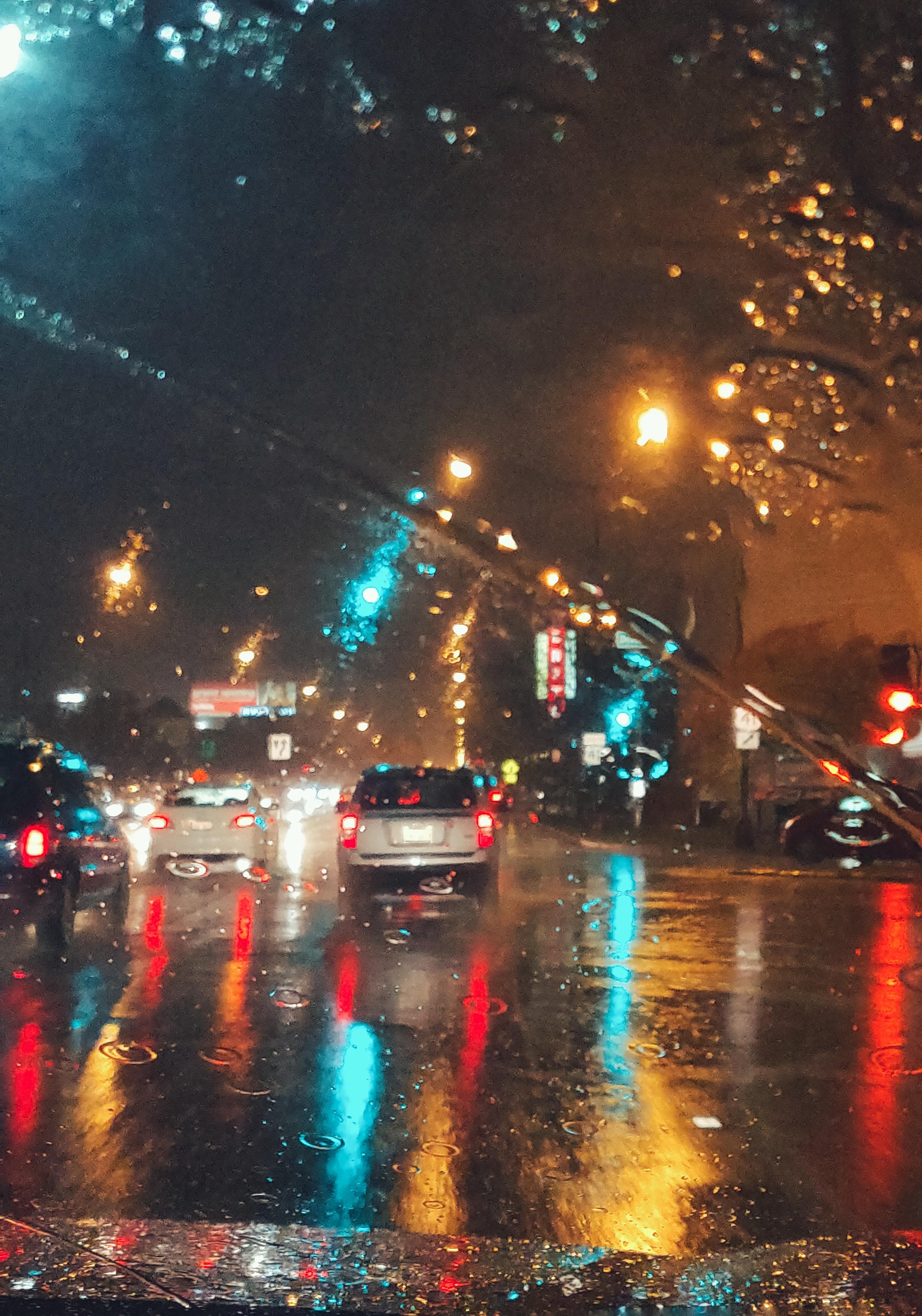 матчи упл фото ночной дождливой москвы за рулем брони этих машин