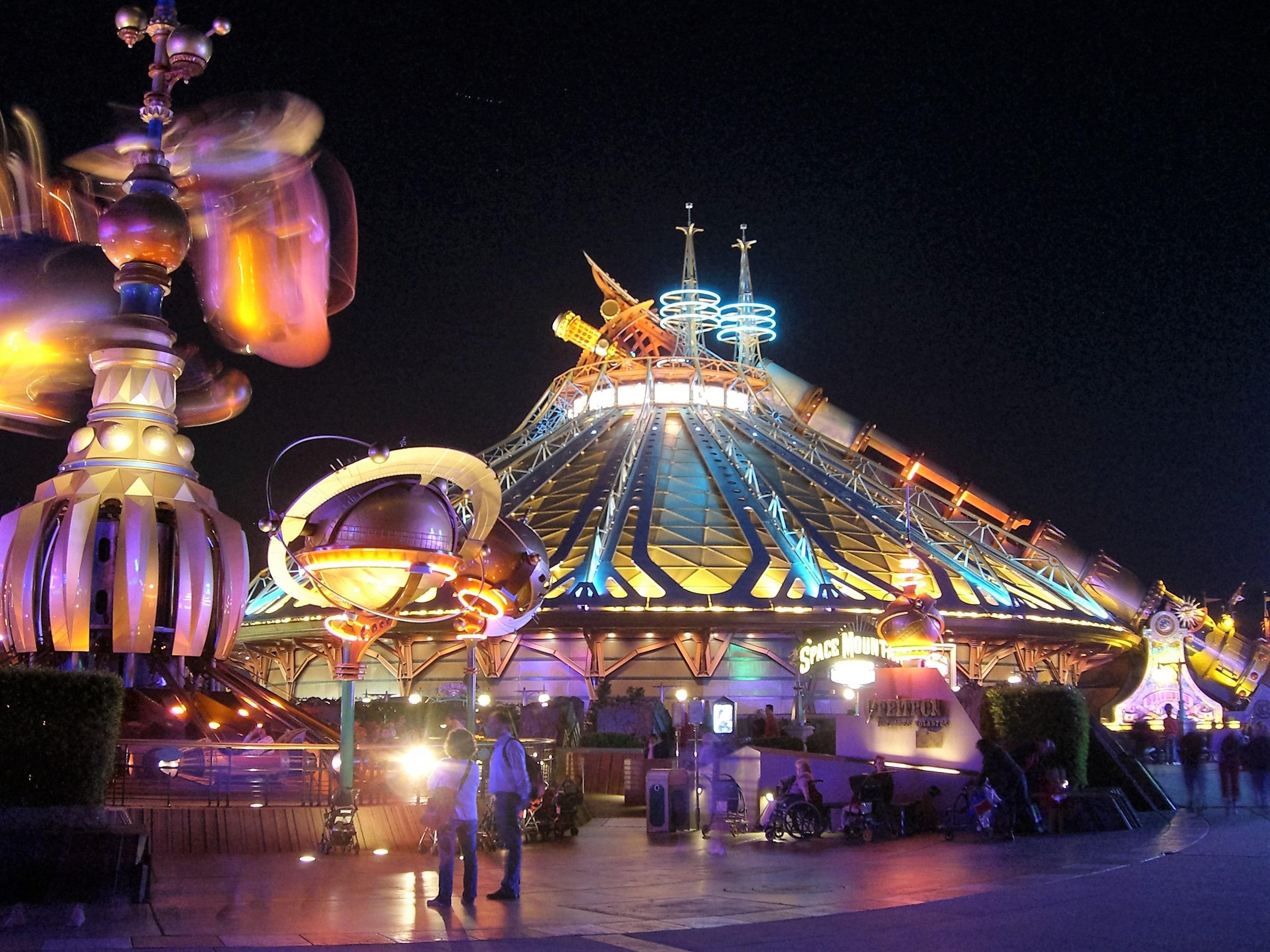 Parc attraction ouvert la nuit for Garage ouvert la nuit paris