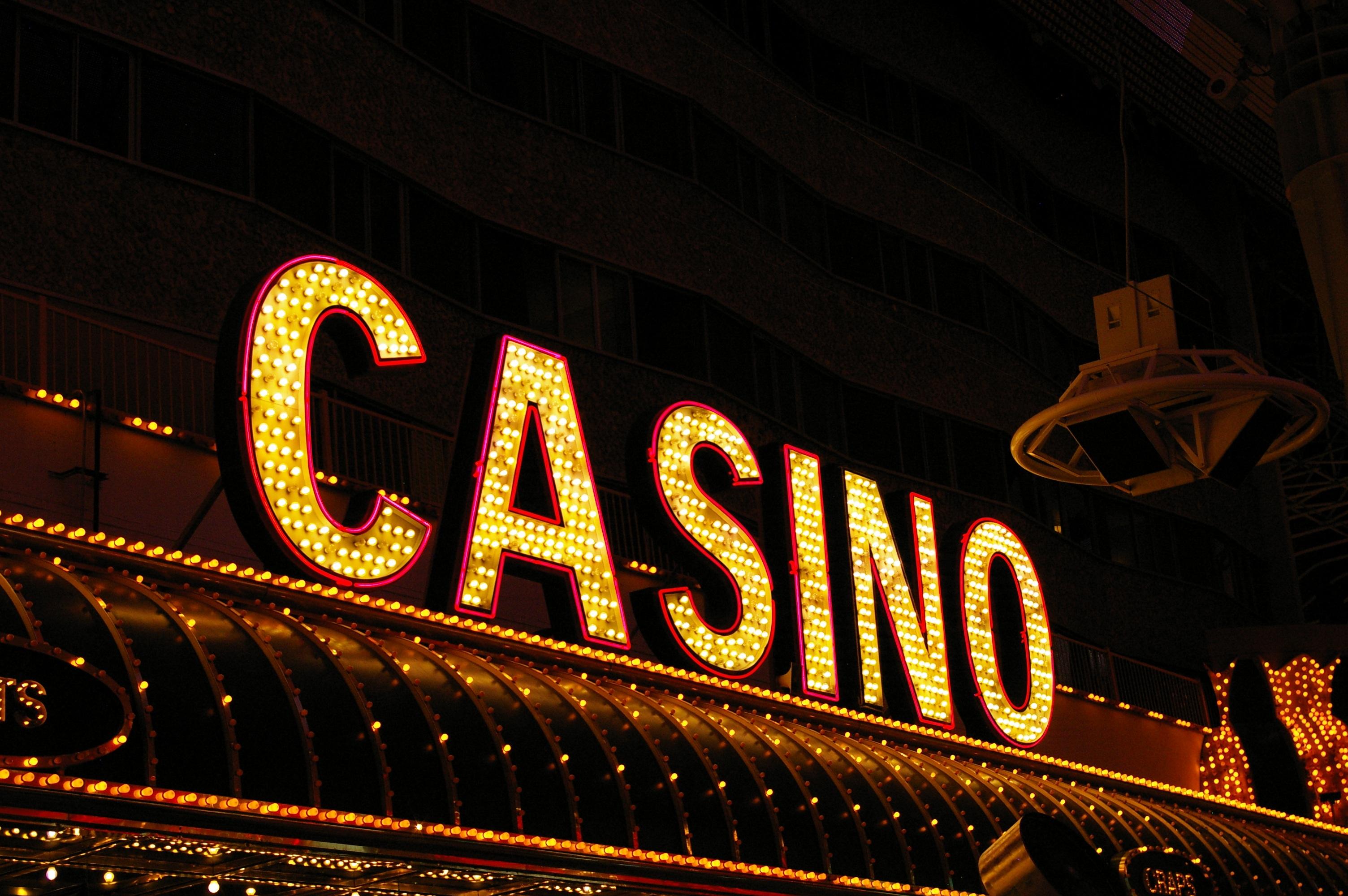 Неоновая вывеска казино братва игровые автоматы скачать