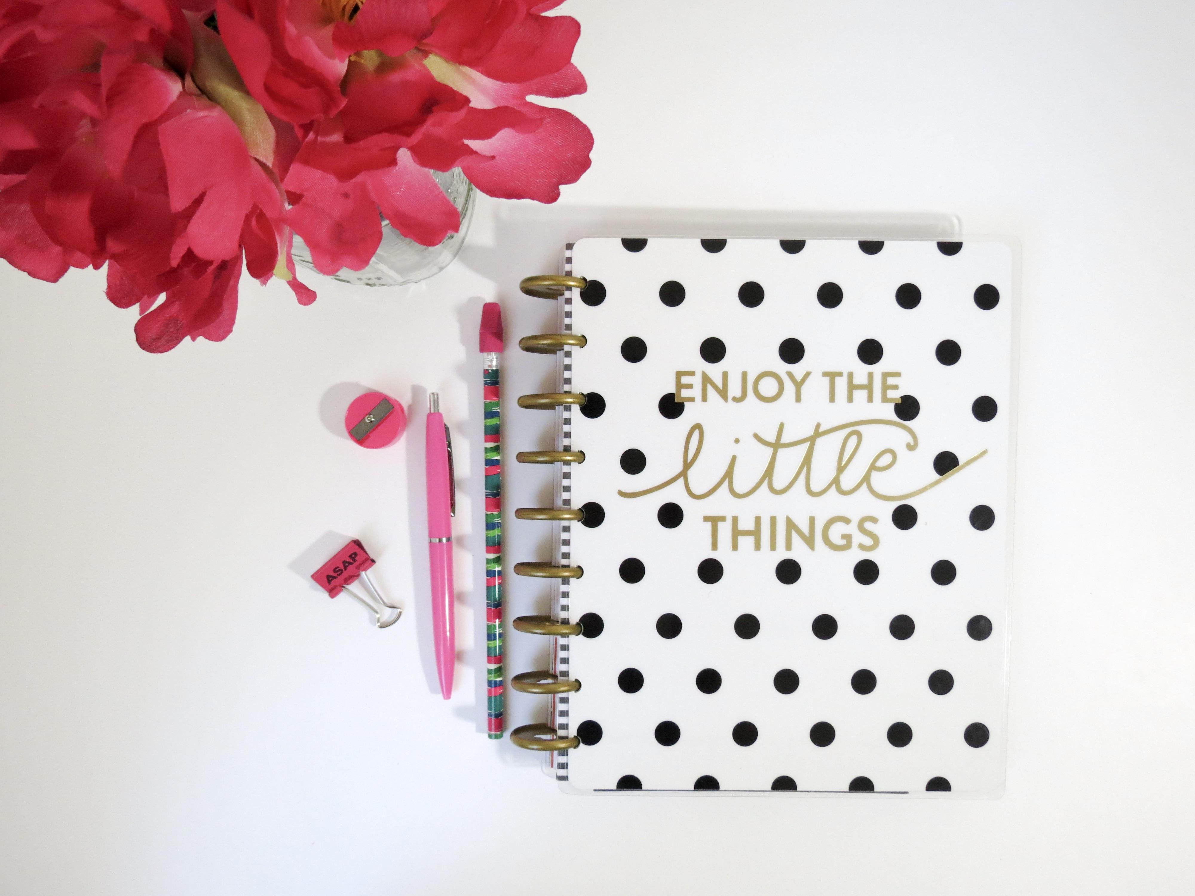 Fotos gratis : cuaderno, lápiz, blanco, bolígrafo, amor, decoración ...