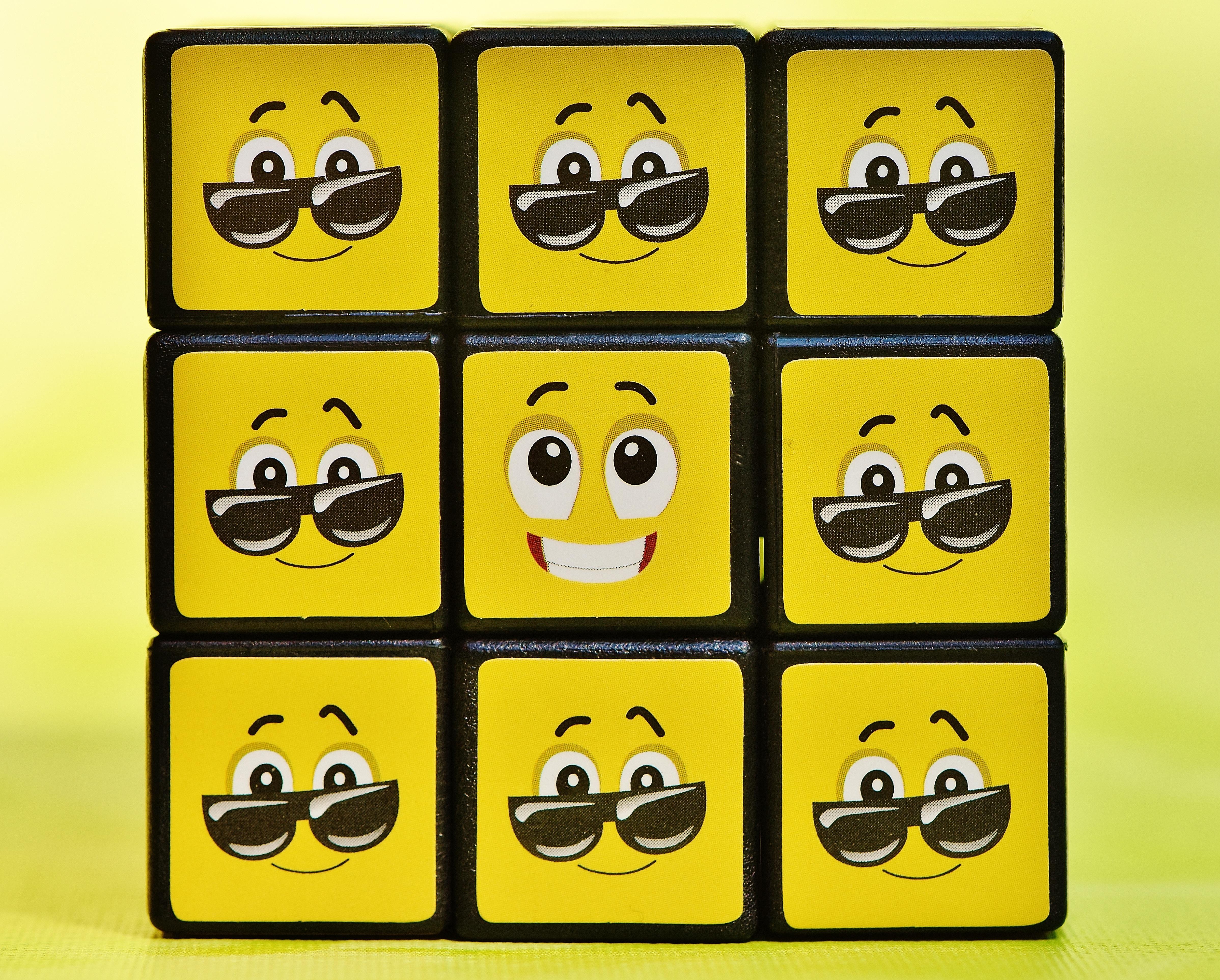 Gambar Jumlah Mainan Tersenyum Fon Lucu Kubus Wajah Icon